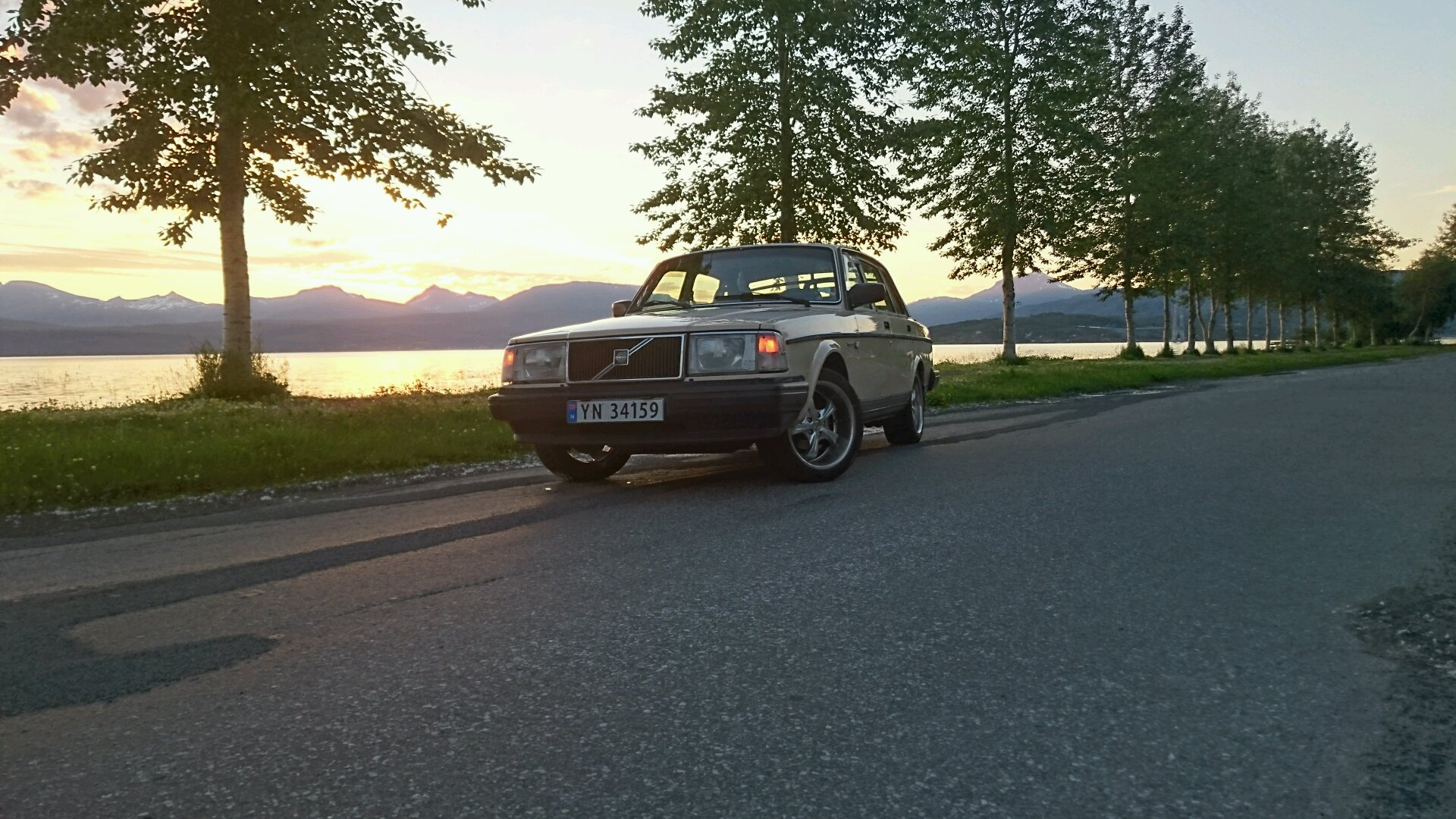 Anyone Got Any Volvo 240 Wallpapers