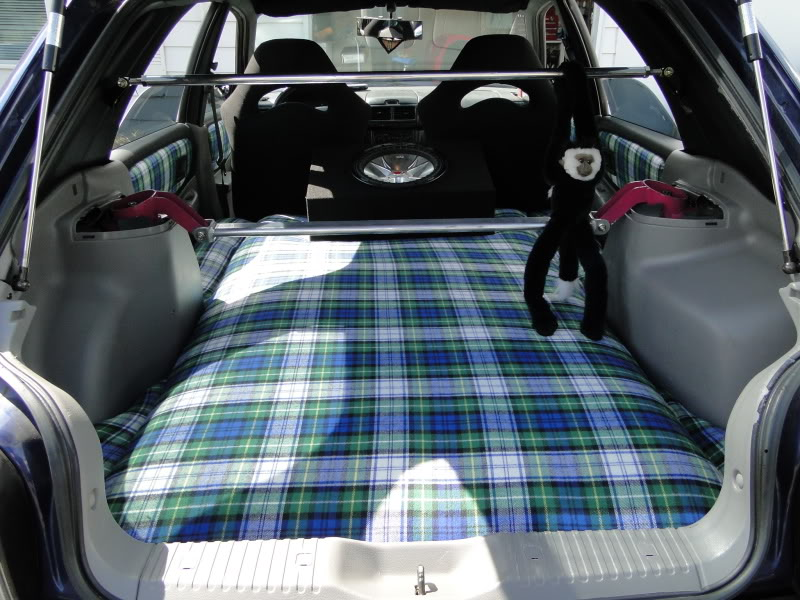 Anybody Else Think Its A Cool Idea To Have Bed In The Back Of