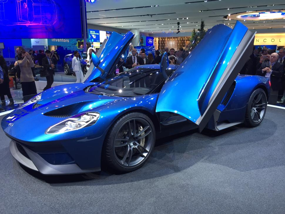 Surely I Cant Be The Only One Who Thinks The Ford Gt Stole Most Of Their Design From The Laferrari