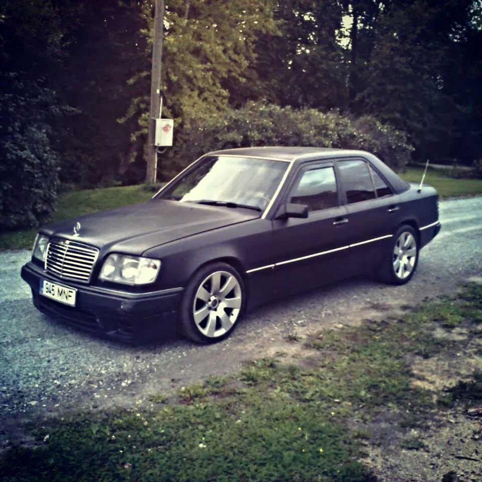1990 mercedes benz 300d w124. Black Bedroom Furniture Sets. Home Design Ideas