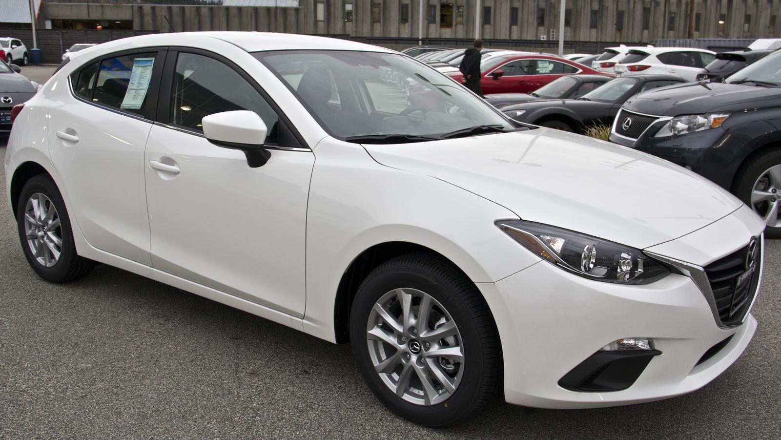 2015 mazda 3 hatchback itouring. Black Bedroom Furniture Sets. Home Design Ideas
