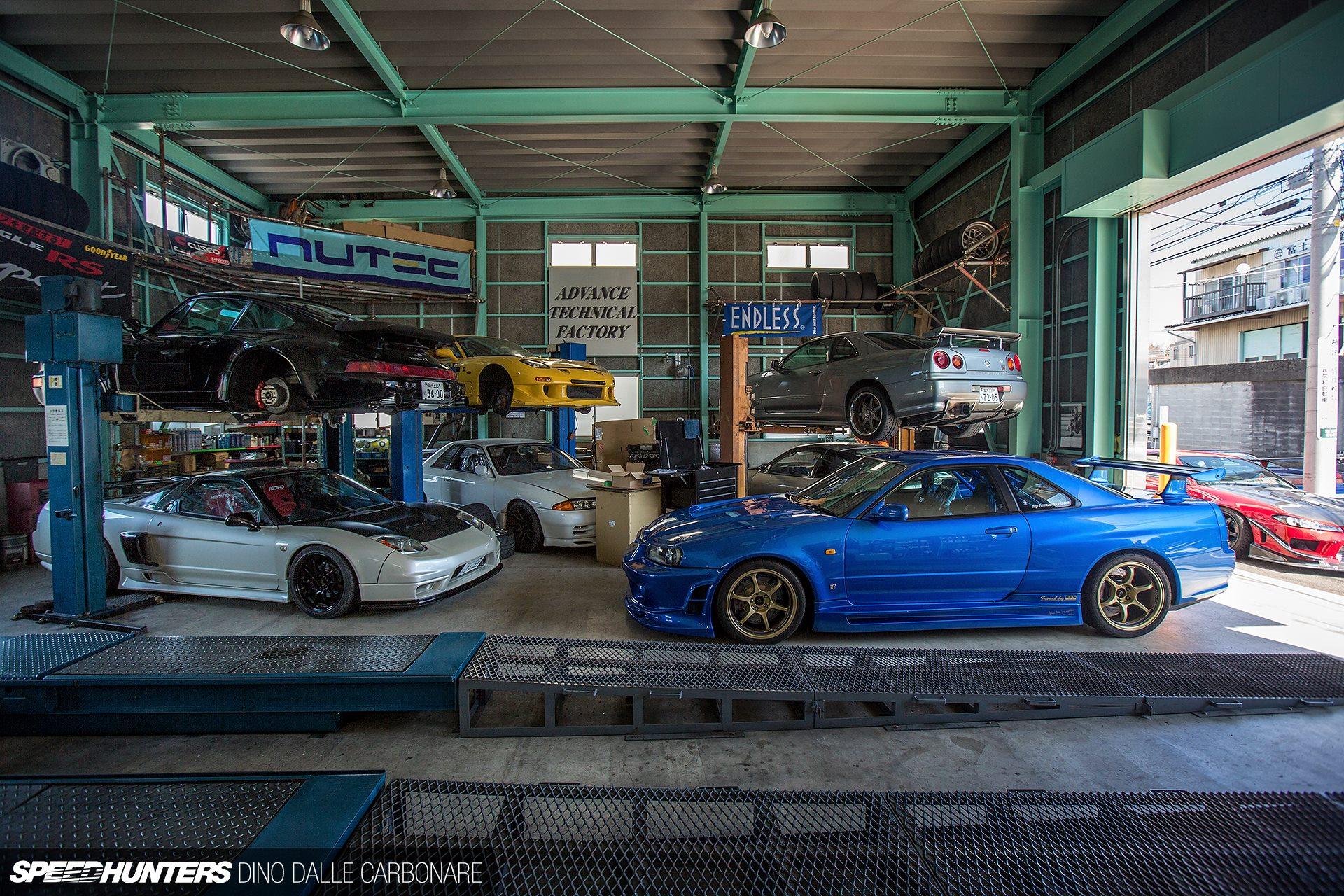 dream garage right there rh carthrottle com dream car garage.com honda dream garage commercial