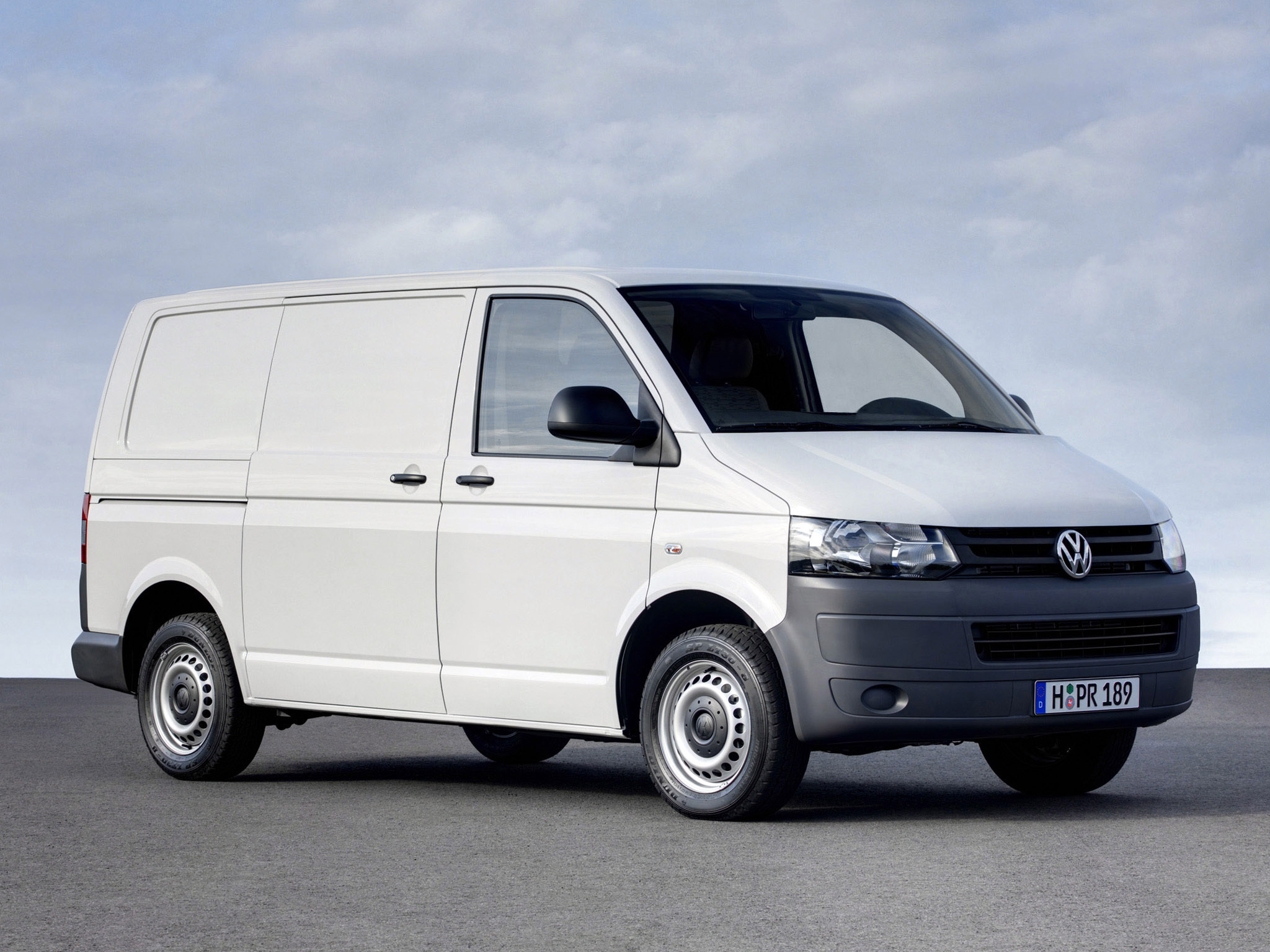 The Vw T5 Transporter It Has A Twin Turbo Tdi Engine And Is Fwd 2009 Volkswagen Beetle Fuse Box Cover Flys Away