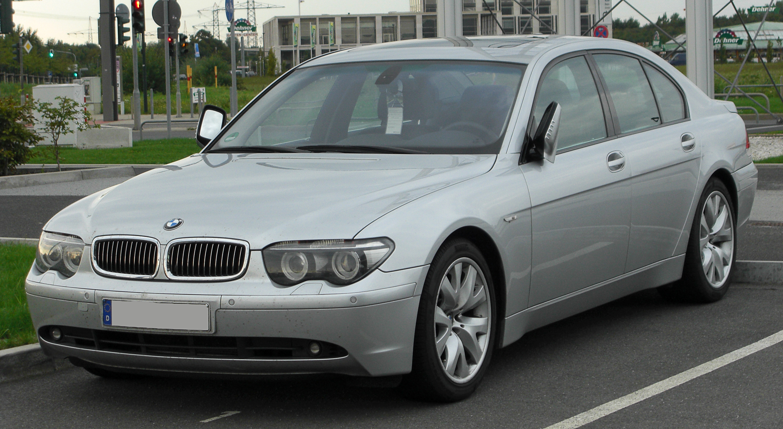 I can\'t be the only one to find the E65 7-series BMW really ugly?