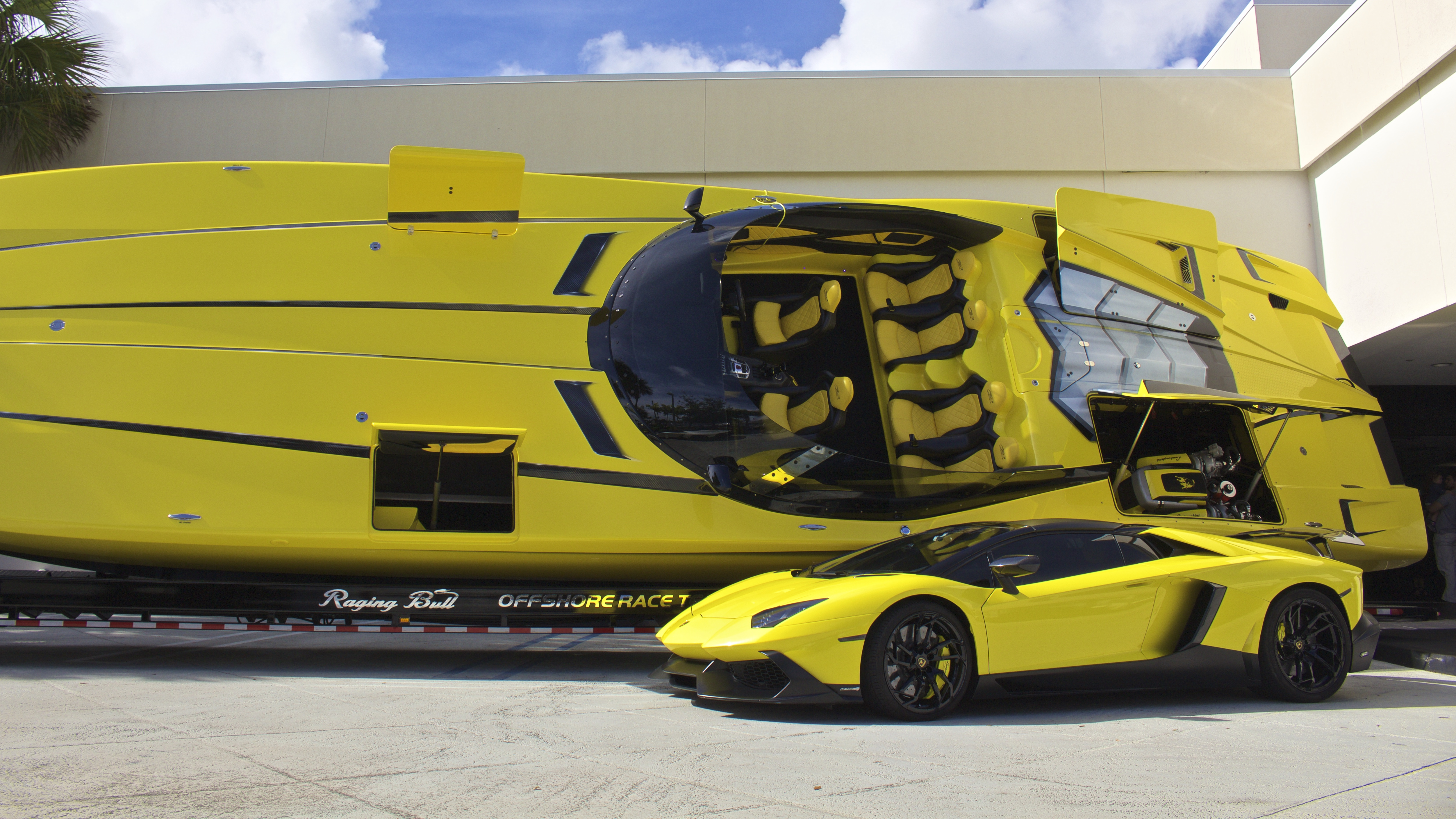 I Bet You Guys Never Saw A Lamborghini Boat With A Matching
