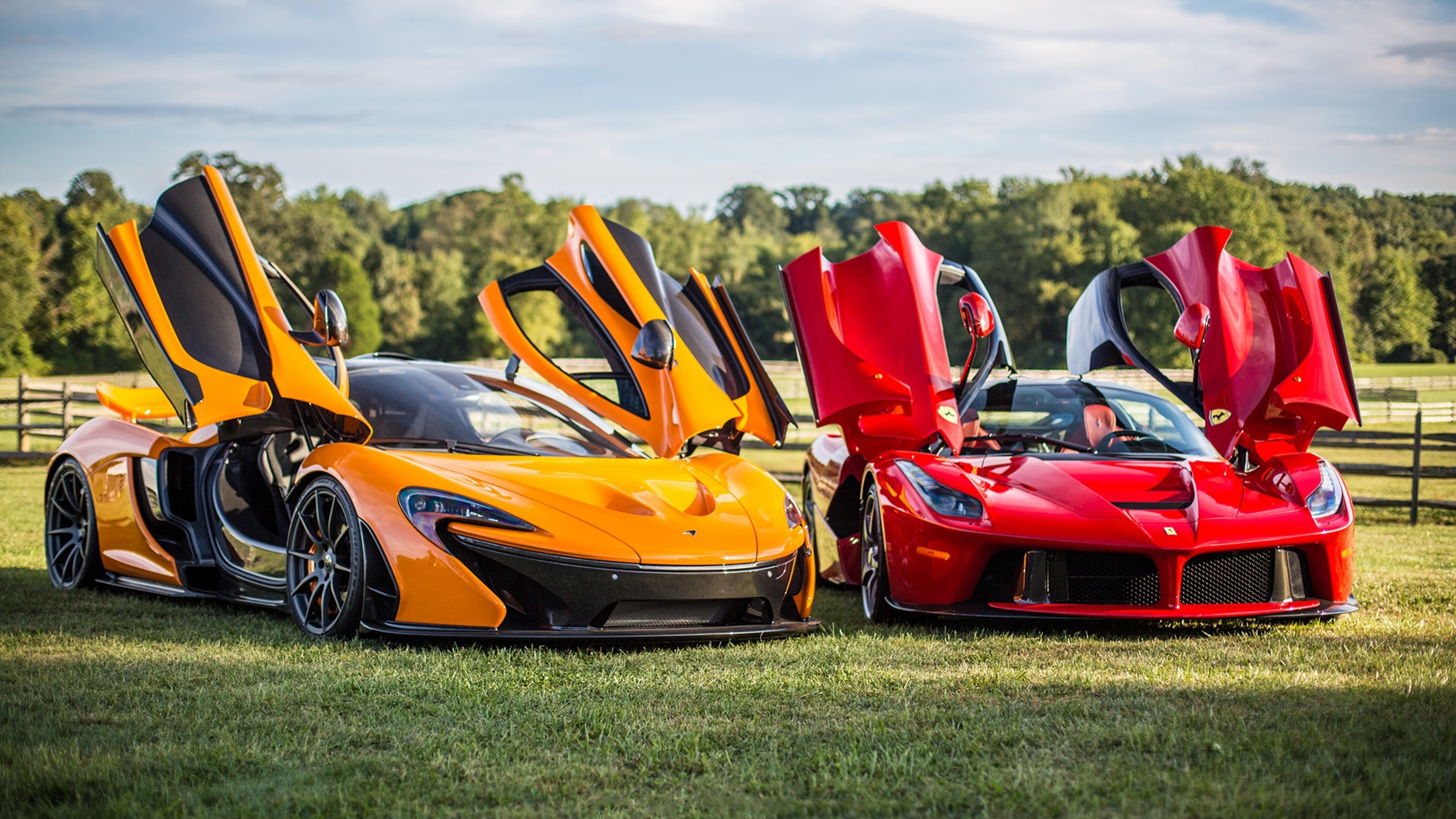 which one is better mclaren p1 or ferrari laferrari. Black Bedroom Furniture Sets. Home Design Ideas