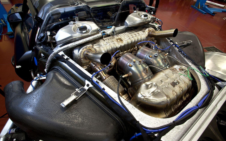Soooooo Were Talking About This Engine Bay War The 918 Spyder Ladies And Gentlemen