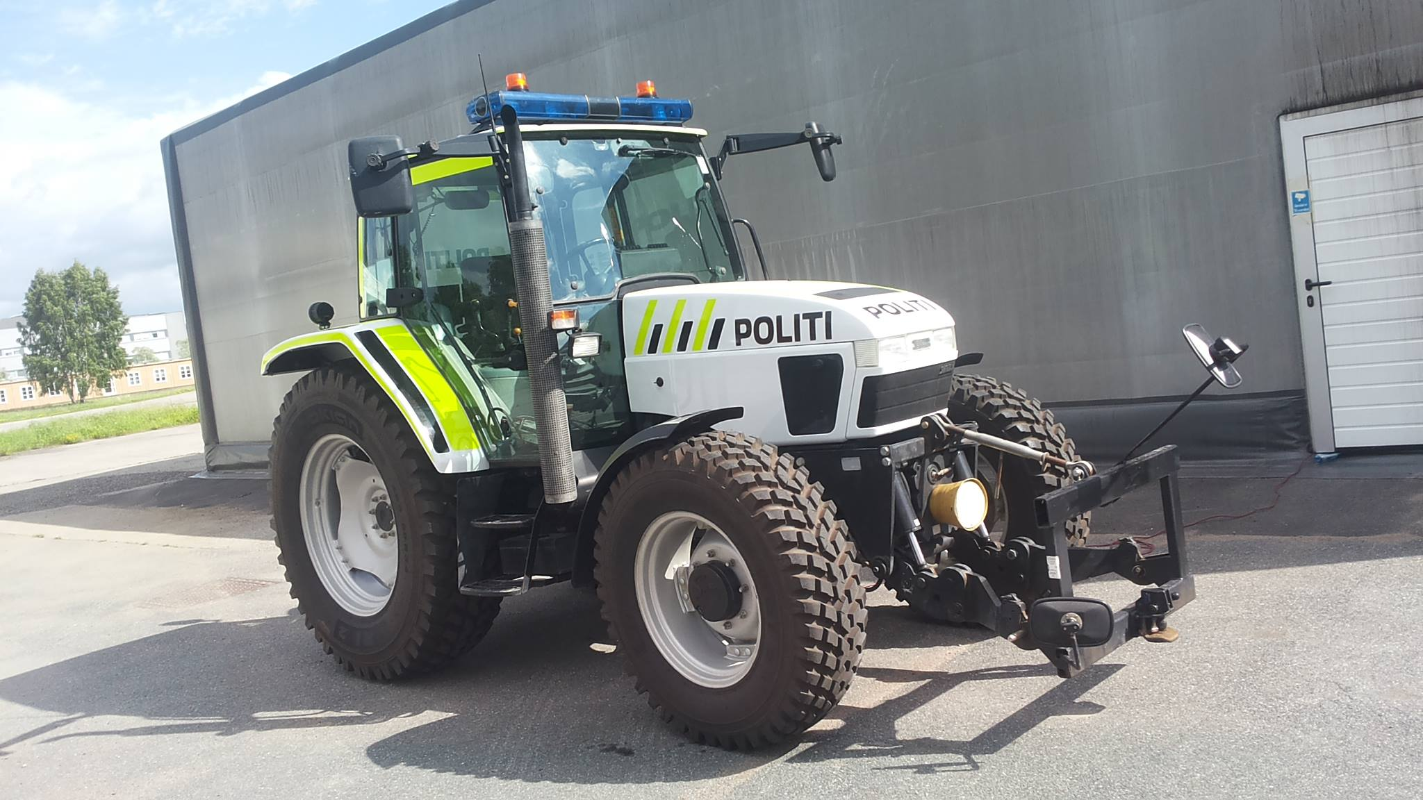 New Police Vehicles in Norway... Working at the main airport in ...
