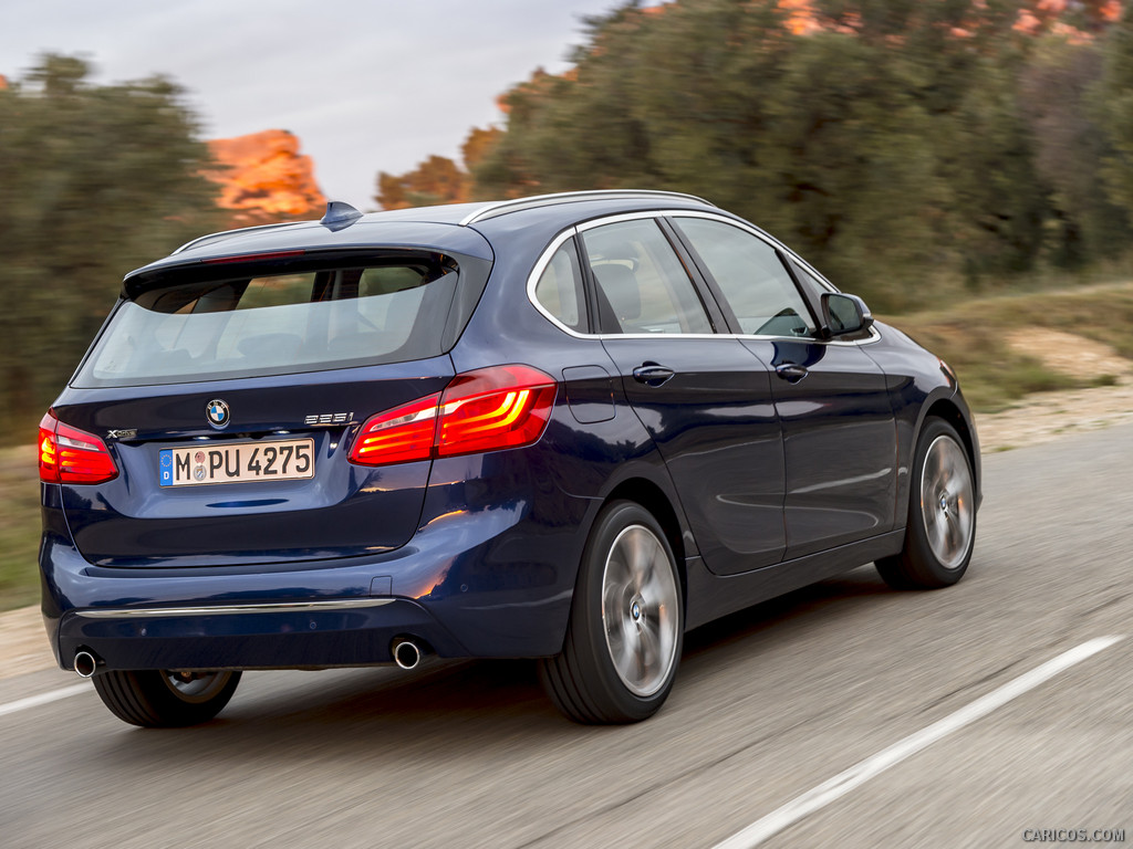 The BMW I Xdrive Is Actually Such A Sleeper Doesnt Look Like - Bmw 225i