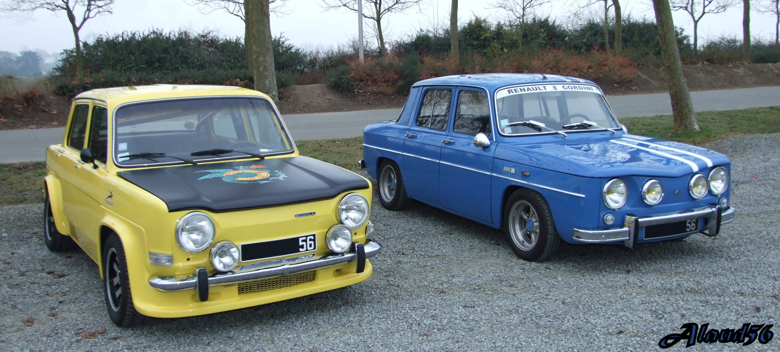 Which one of those two old school french rally car would you pick?