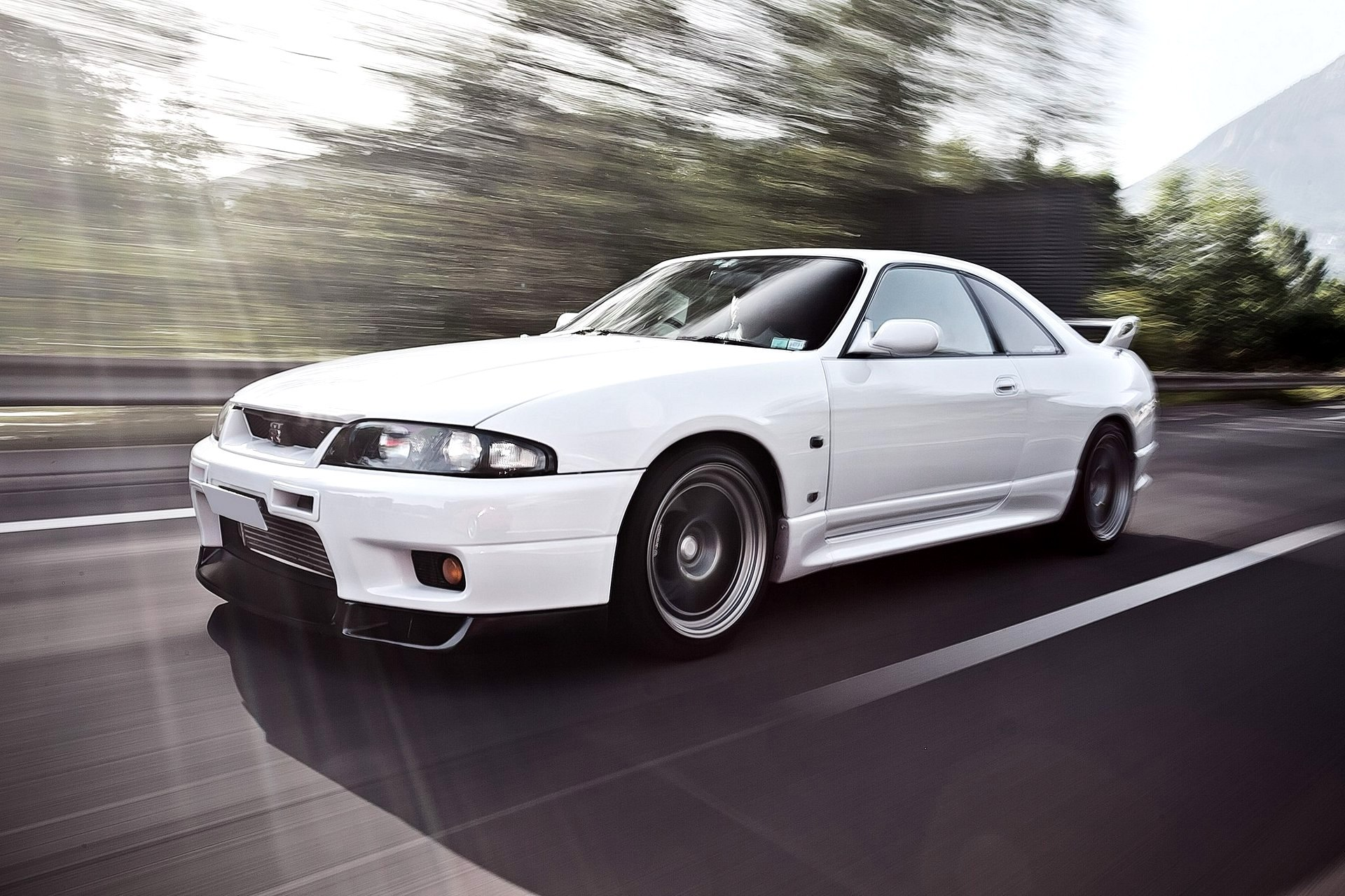 Am I The Only One Who Prefers The R33 To An R34