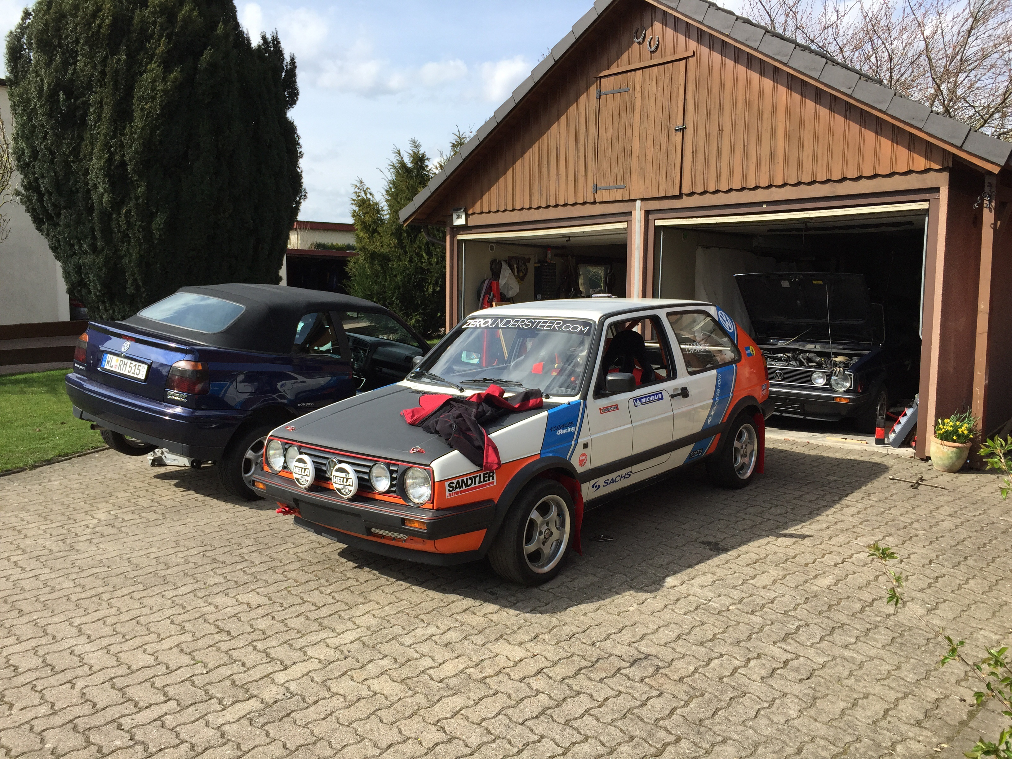 Little golf family meeting today my mk1 cabriolet in the for Garage skoda paray vieille poste