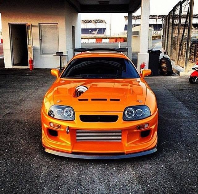 Highly Modified Toyota Supra With 2jz And A Big Turbo