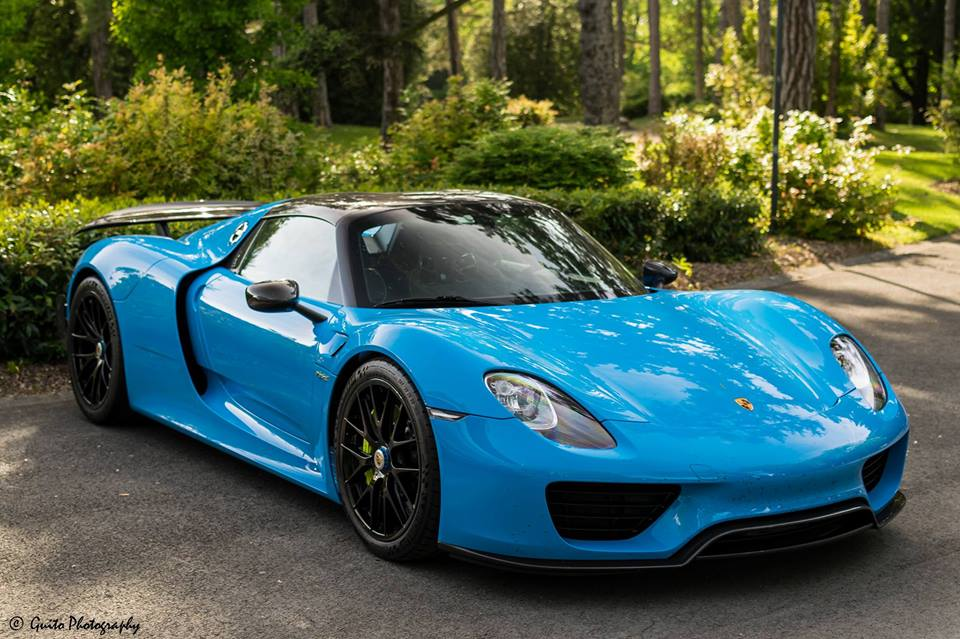 this 918 spyder just looks amazing in baby blue if you could affoard this ca. Black Bedroom Furniture Sets. Home Design Ideas