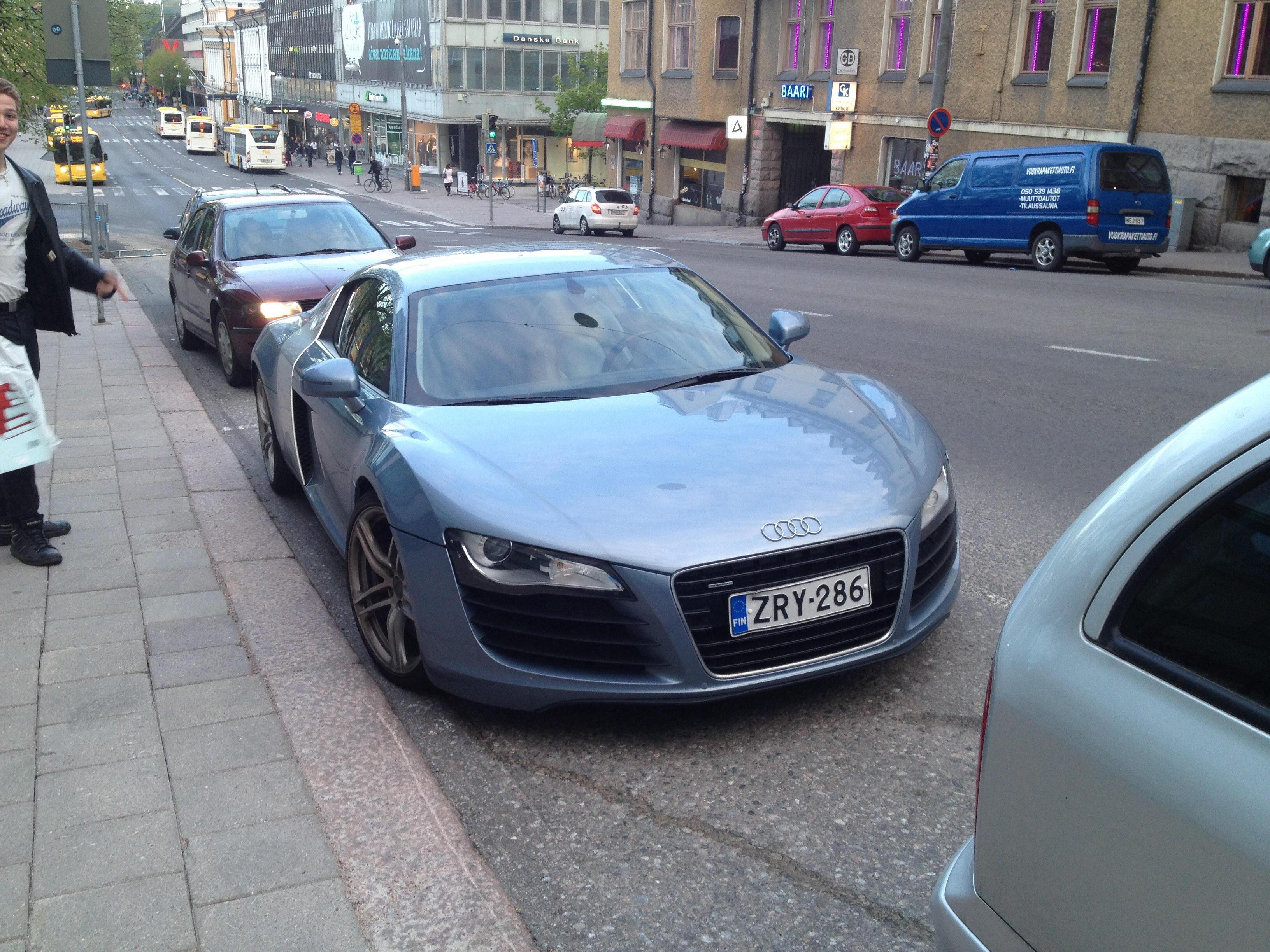 R8 in Turku, Finland. It's the 4.2 V8, but with automatic transmission