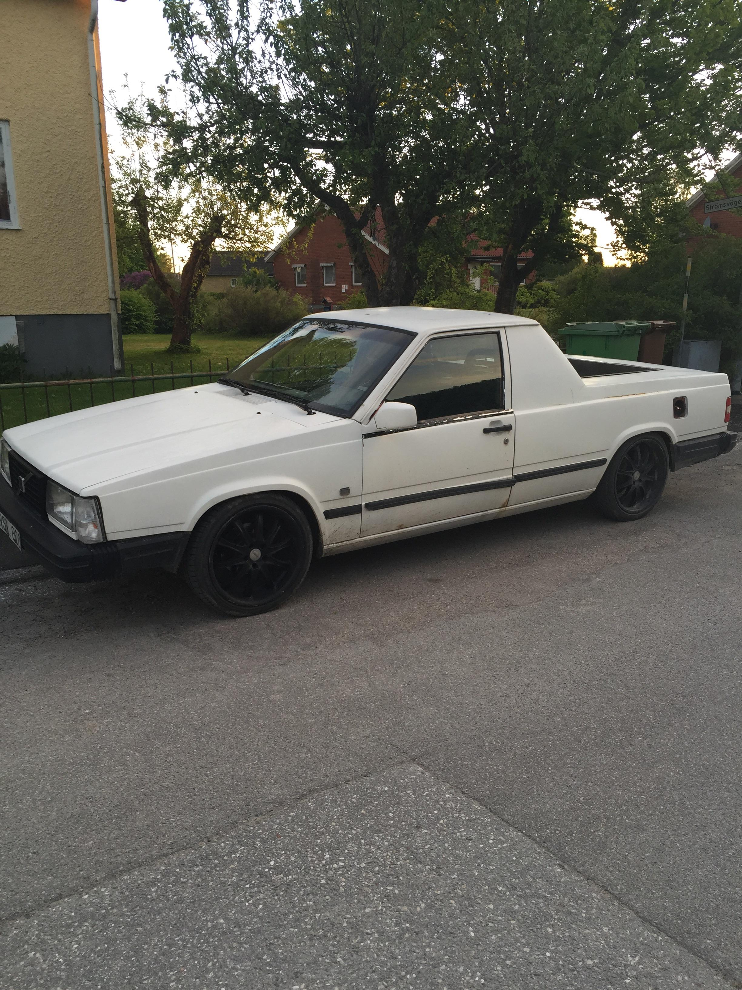 Hey I Bett You Non Swedish Guys Have Never Seen A 1988 Volvo 740 Gl