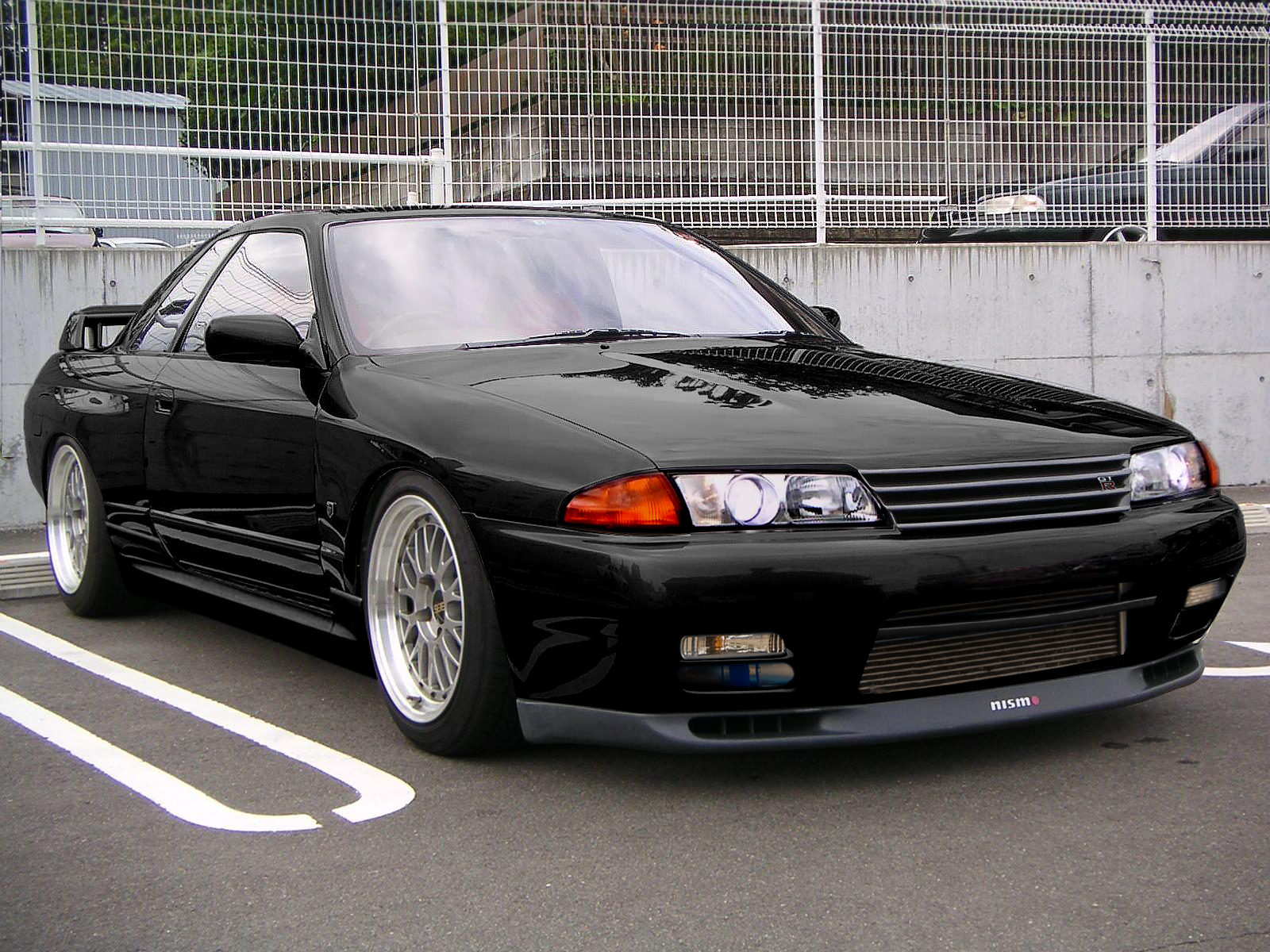 Nissan Skyline R32 Black