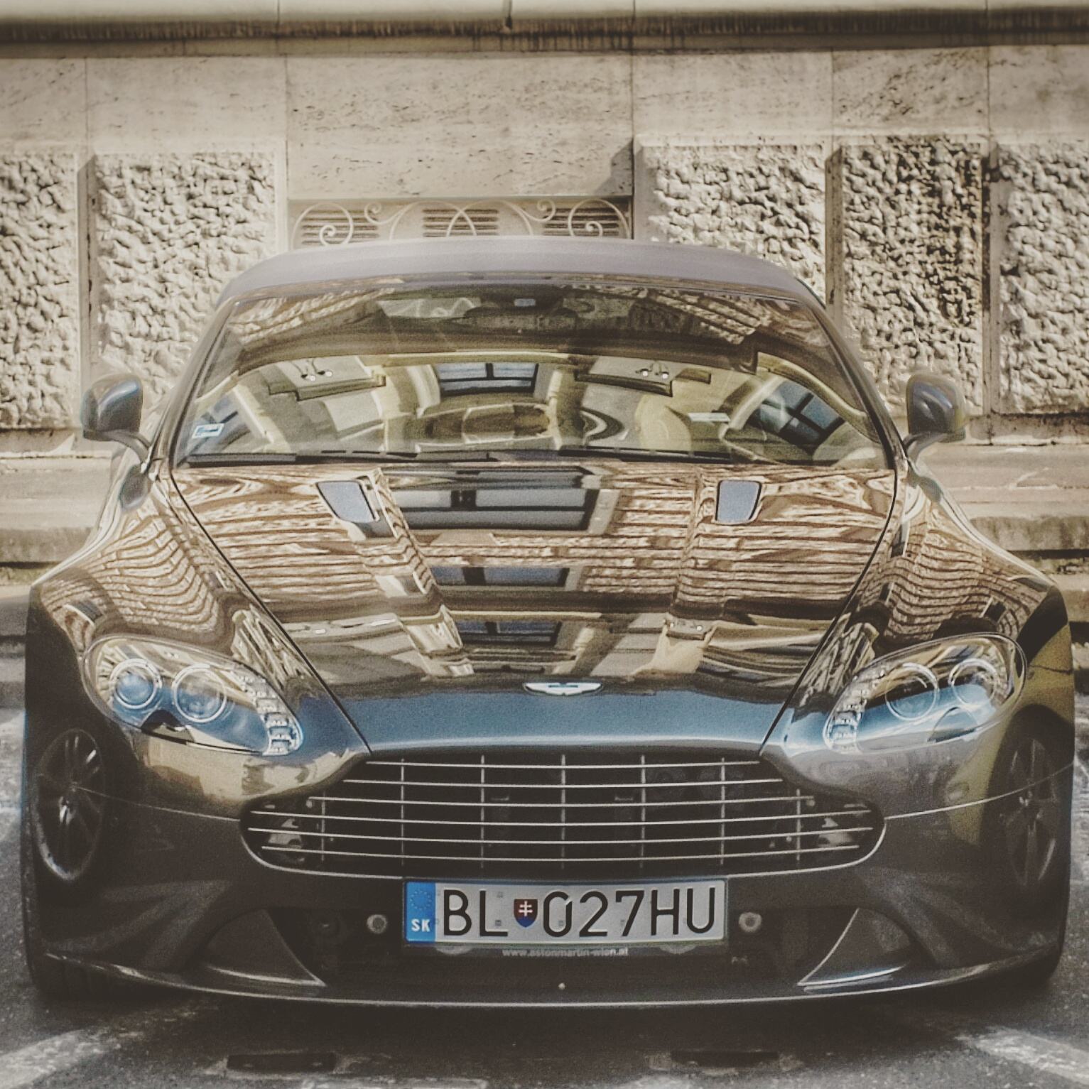 There Are Two Types Of Cars I Love The Pure Sports Car Big Go Kart And The Sports Car Playing The Luxury Car Que Aston Martin