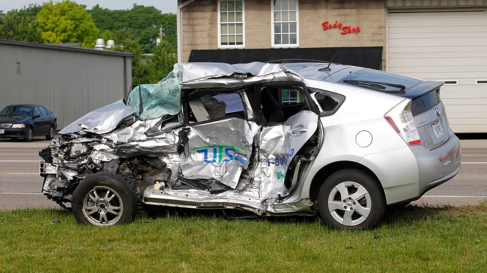 If You Re Having A Bad Day Here S A Crashed Prius