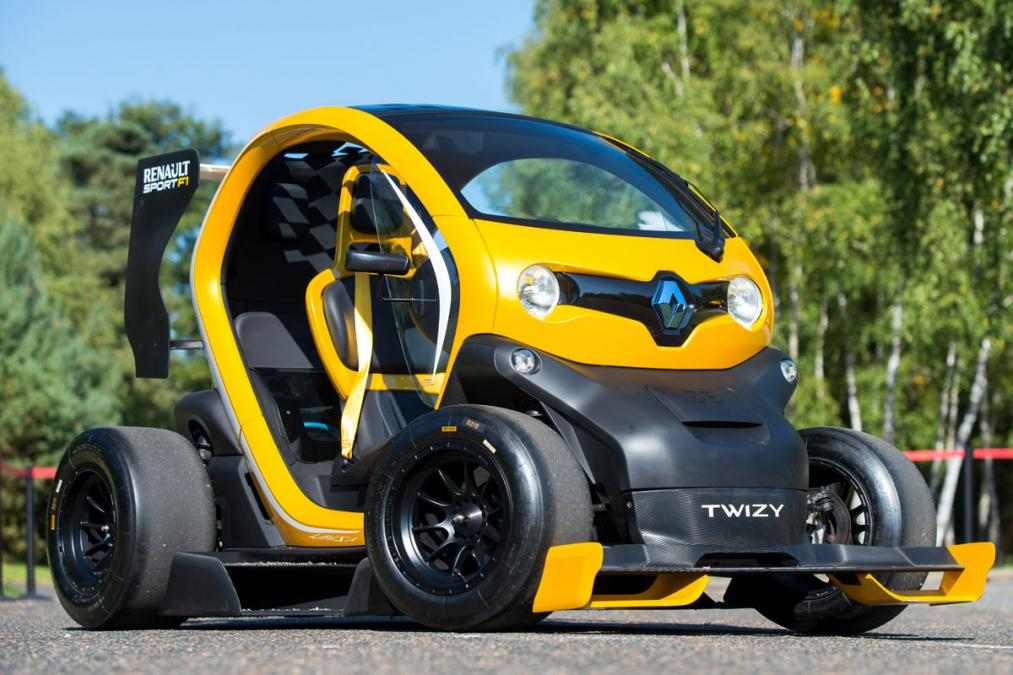 twizy f1 anyone d it actually exists and has up to 100hp with kers video with sebastian. Black Bedroom Furniture Sets. Home Design Ideas