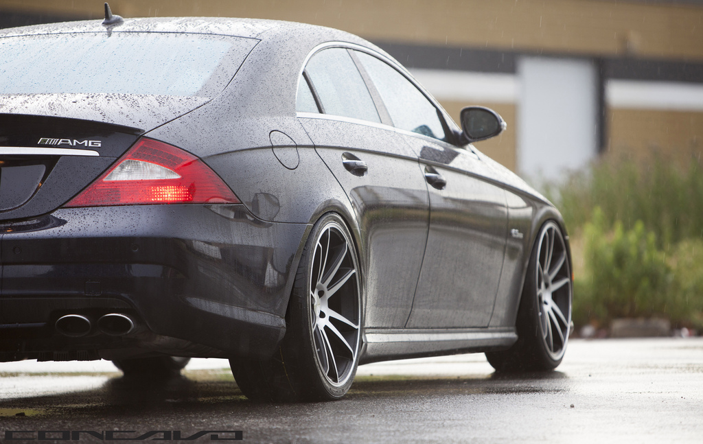 Mercedes cls63 amg on 20 inch concavo wheels for Mercedes benz 20 inch rims