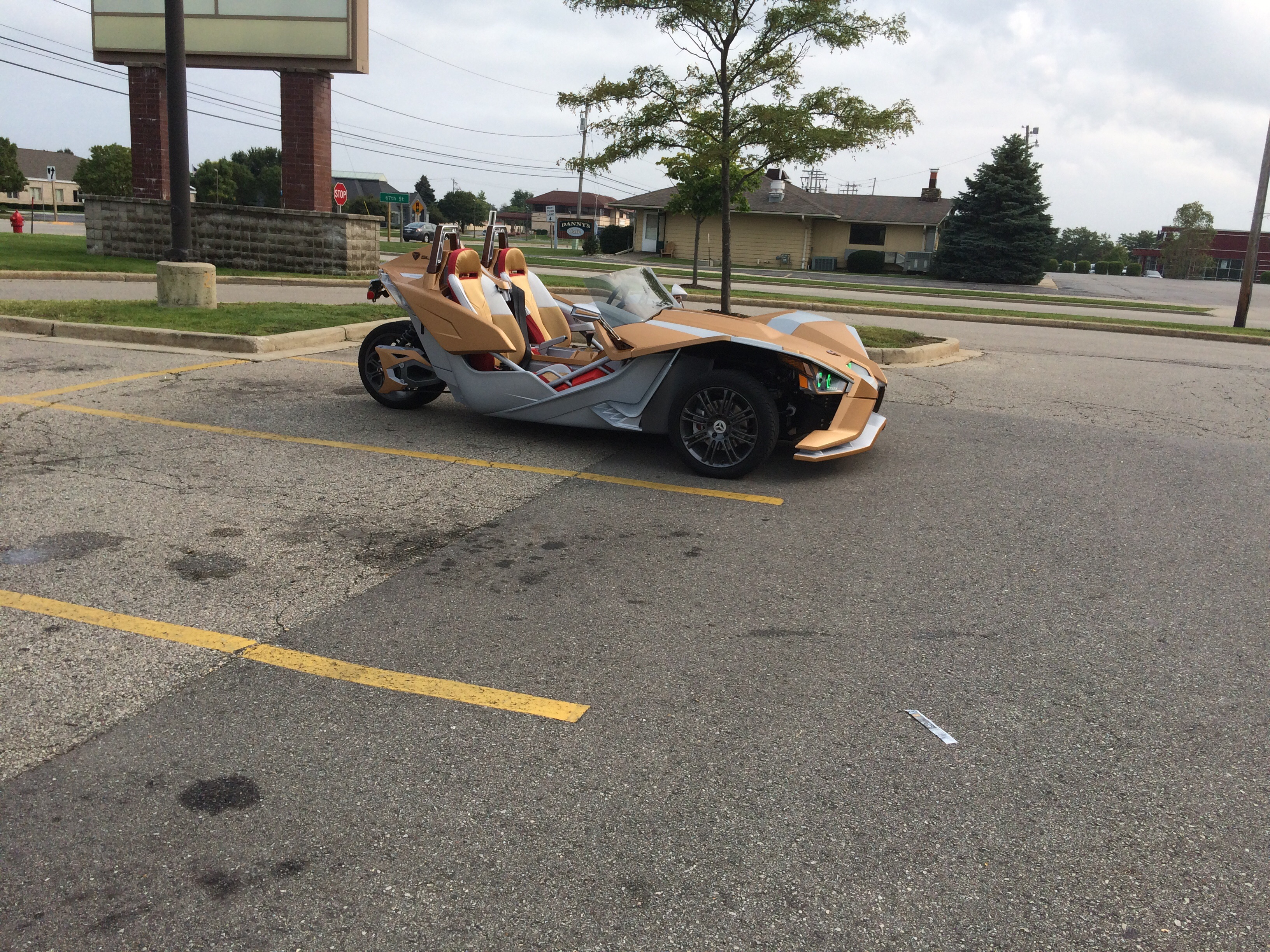 Saw a sweet Polaris slingshot today, it seemed to be in iron