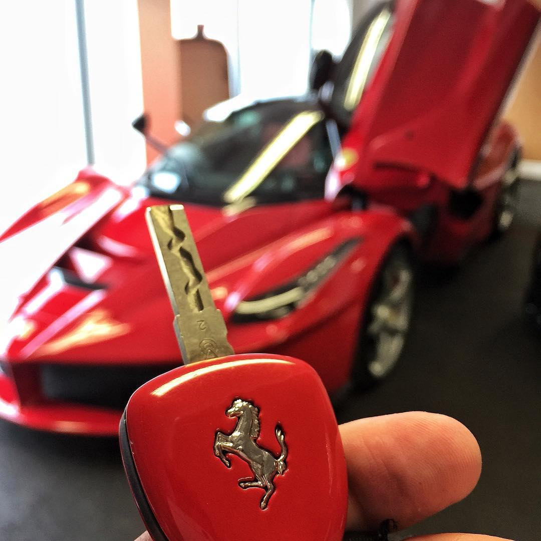 There will be a FEW videos featuring the @PrindivilleUK Ferrari LaFerrari that is currently for ...