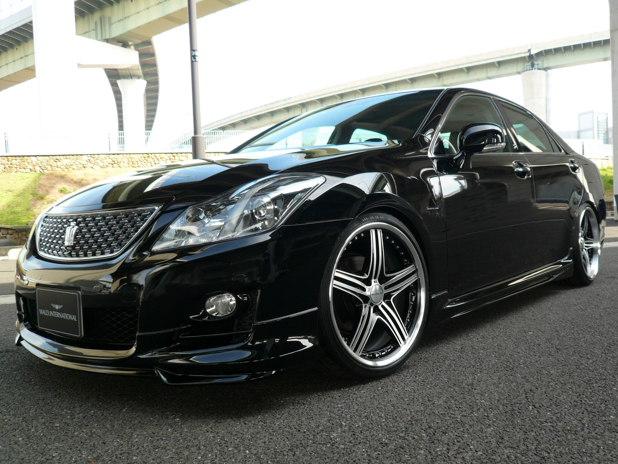 I M Showing Some Lustful Love For The Toyota Crown Athlete