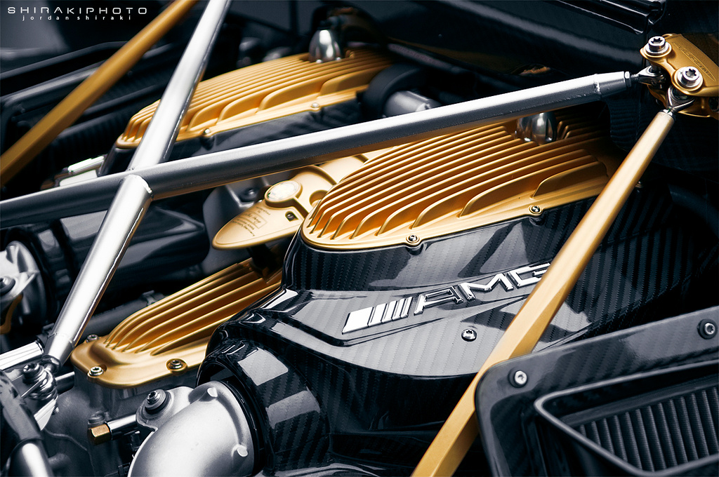 The best looking engine ever imo: M158 V12 BiTurbo in the Huayra
