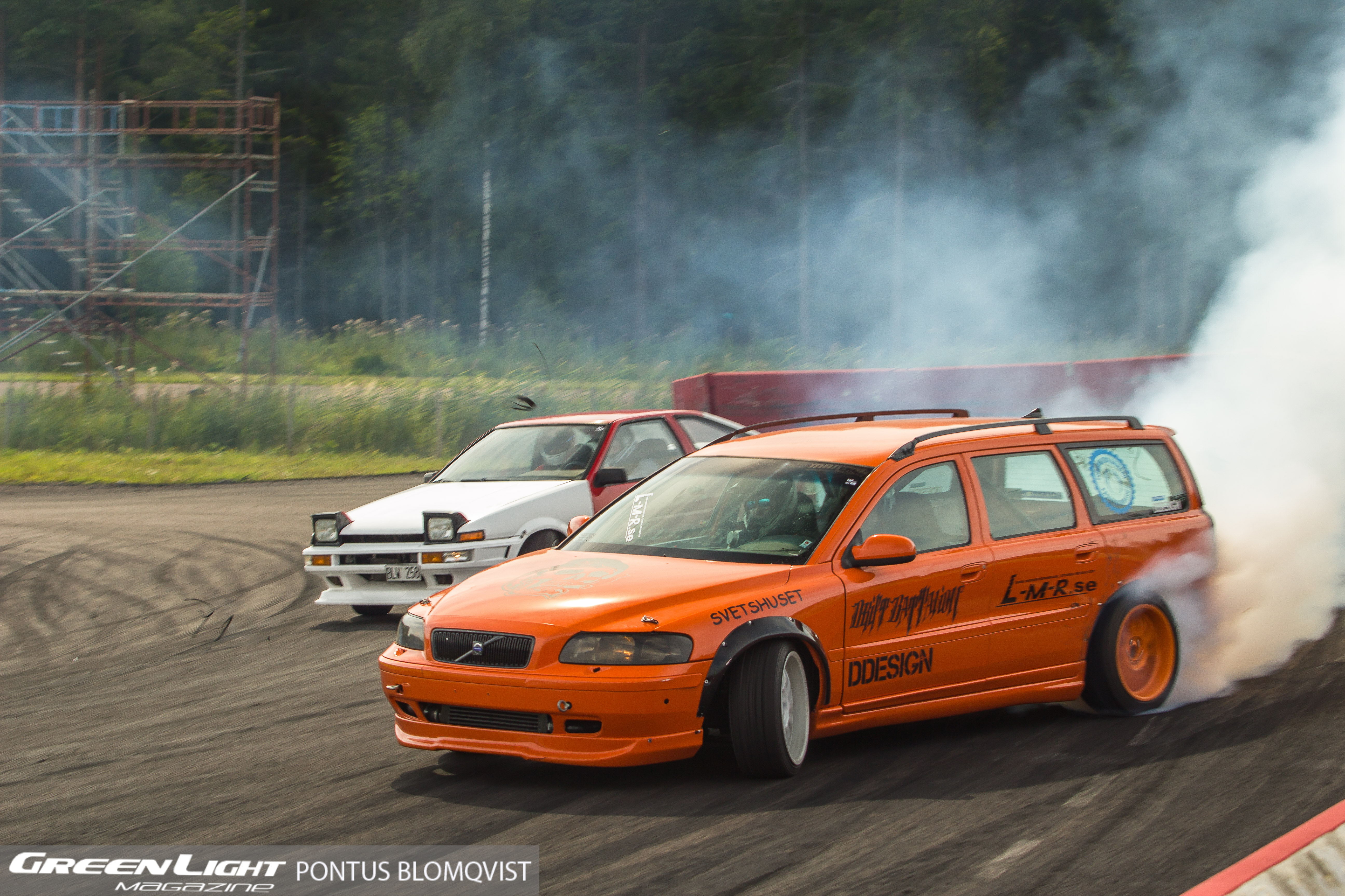 Epic Tandem Battle Between A Volvo And A Trueno