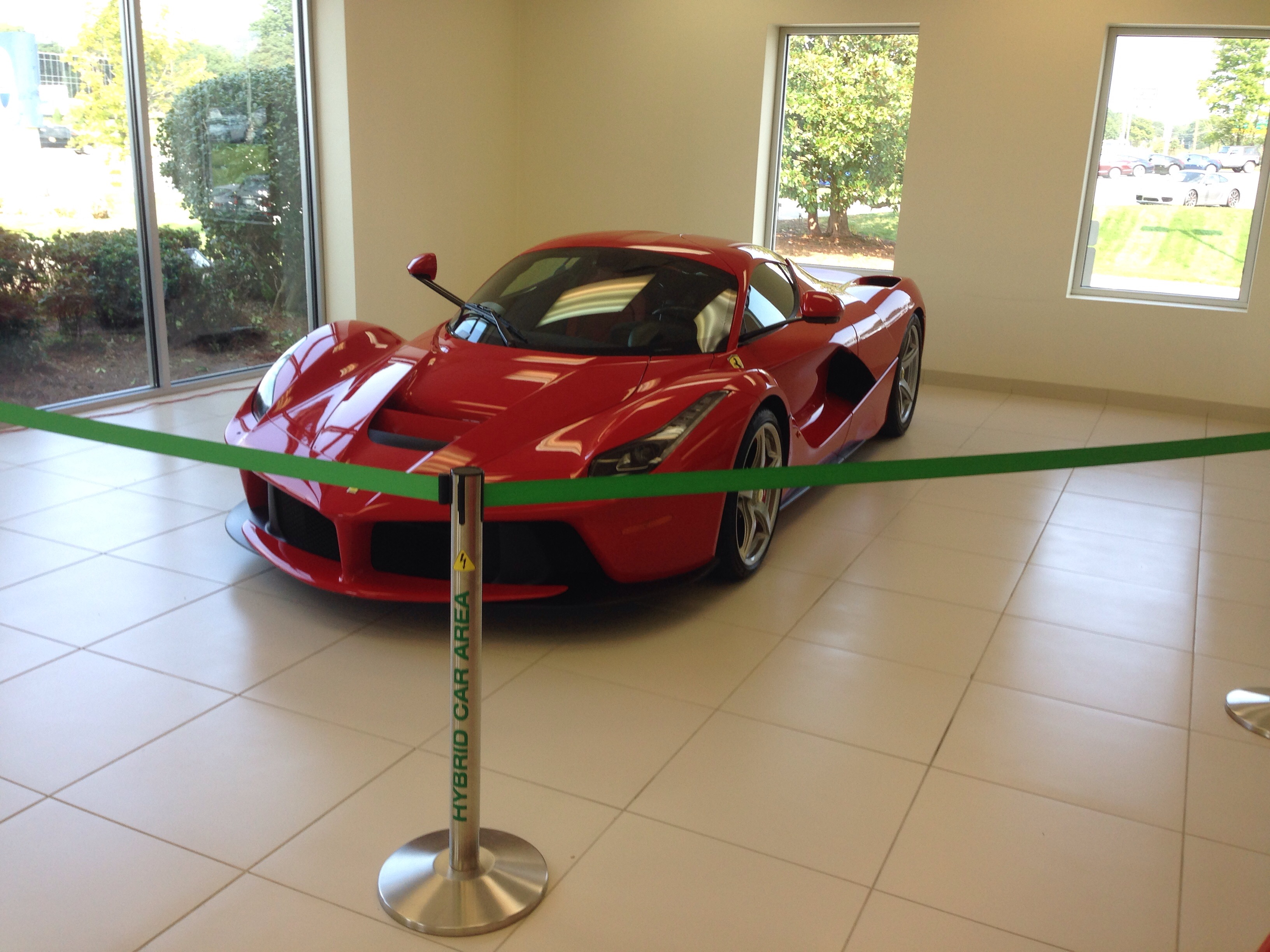 Supercar Dealership Near Me >> I Went To The Local Supercar Dealership I Saw A Laferrari For The