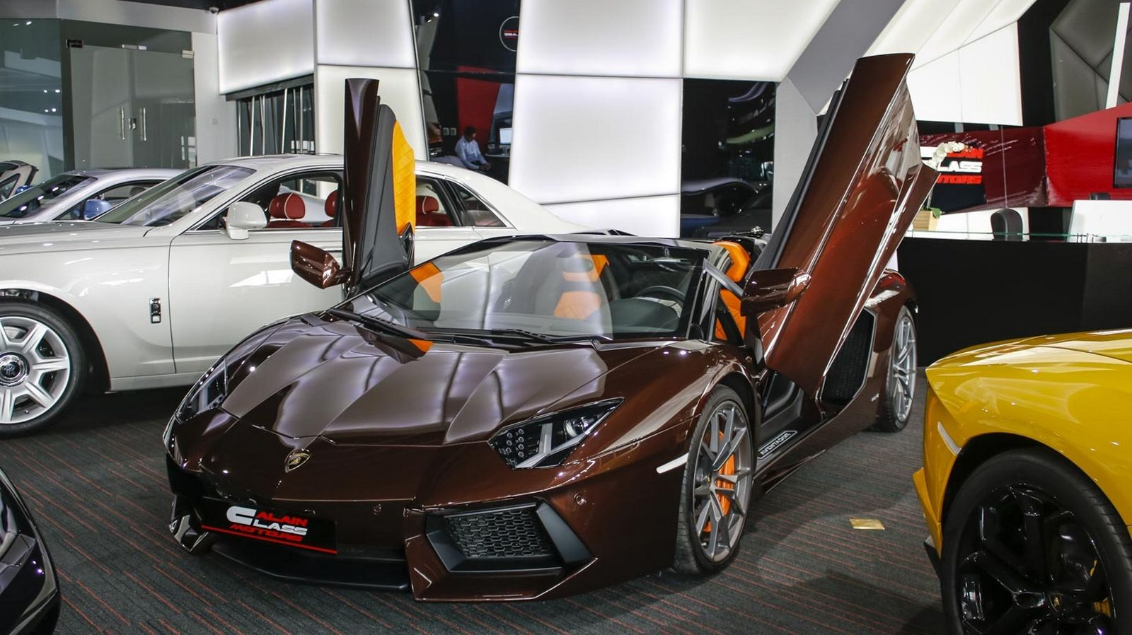 a unique dark brown lamborghini aventador is now for sale in dubai what do you think of such a. Black Bedroom Furniture Sets. Home Design Ideas