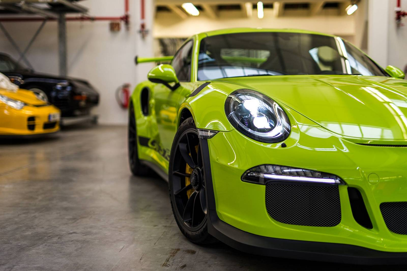 the exclusive 2016 porsche 911 gt3 rs painted in birch green is really unique read more about. Black Bedroom Furniture Sets. Home Design Ideas