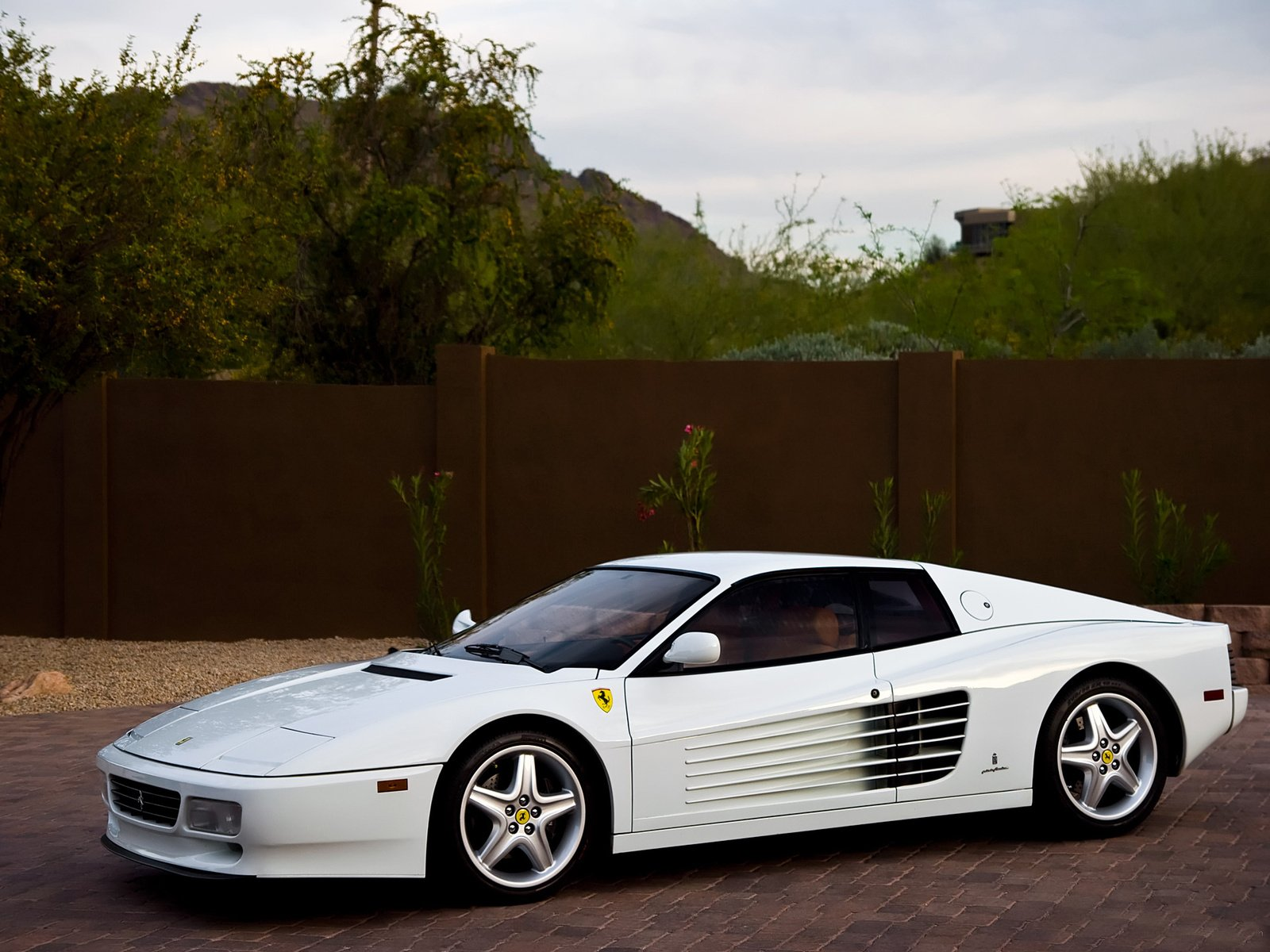 nice testarossa in cocaine white. Black Bedroom Furniture Sets. Home Design Ideas