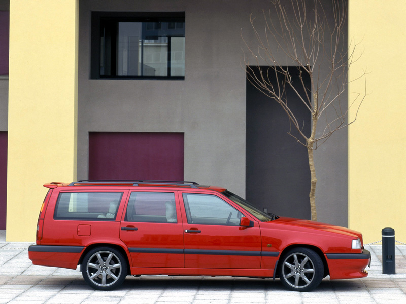 One of my #guiltypleasures has always been fast Volvo wagons. Sure