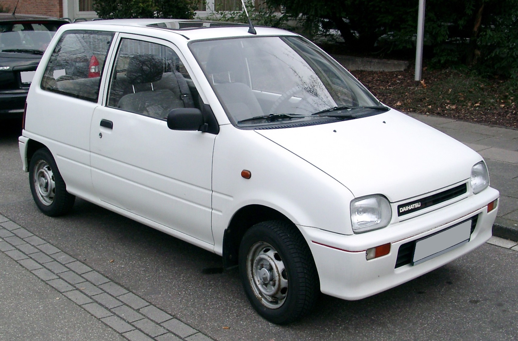 Top 5 Reasons Why The Daihatsu Cuore Is Better Than The