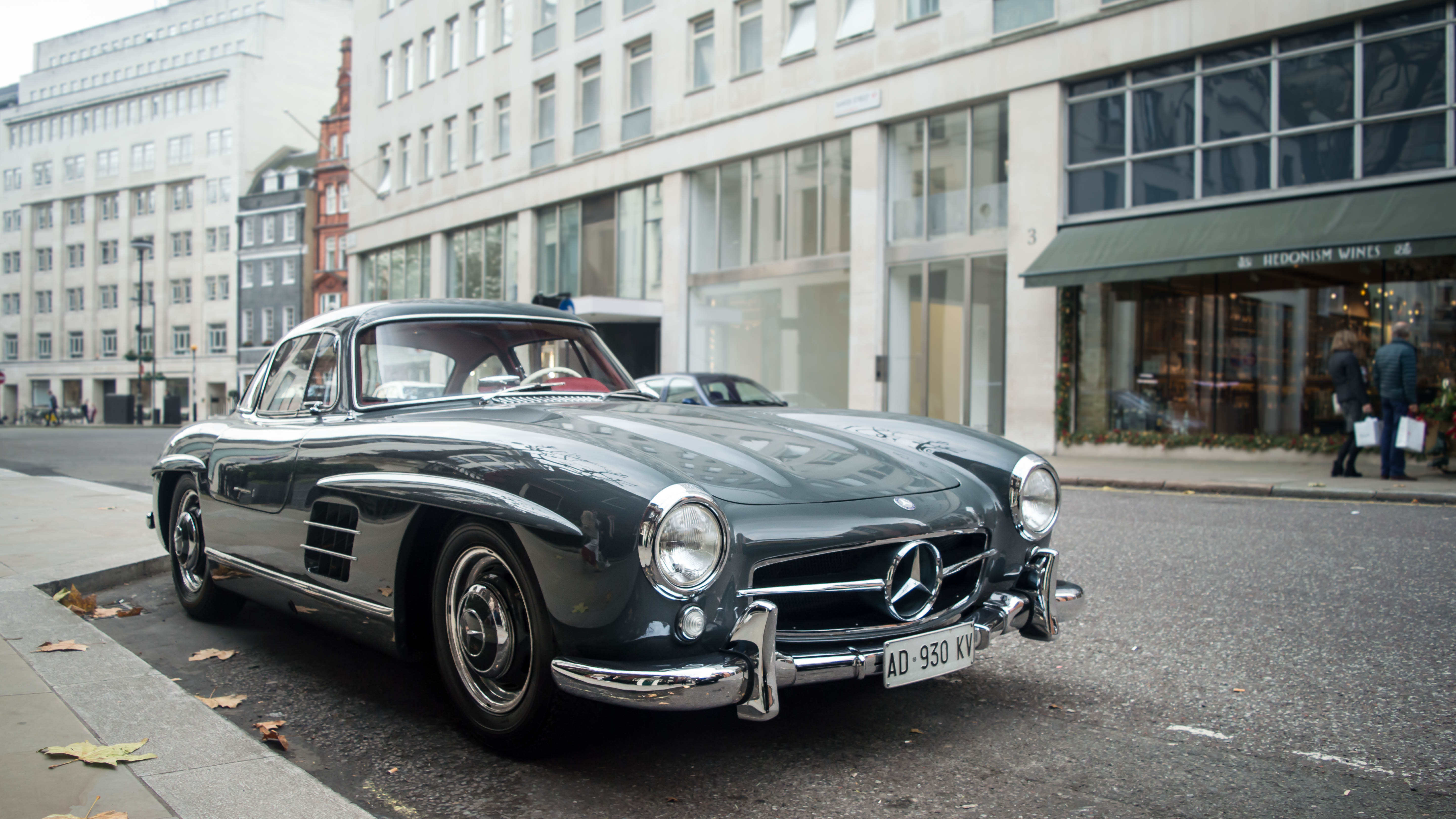 Mercedes benz 300sl gullwing i spotted a few weeks ago in for London mercedes benz