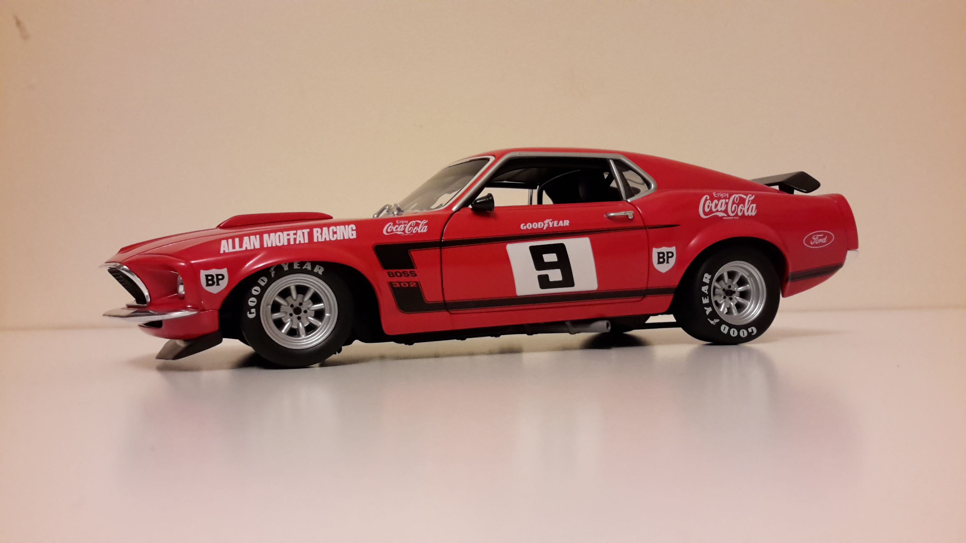 1/18 1969 Ford Mustang Boss 302 Trans-Am, one of the best looking ...