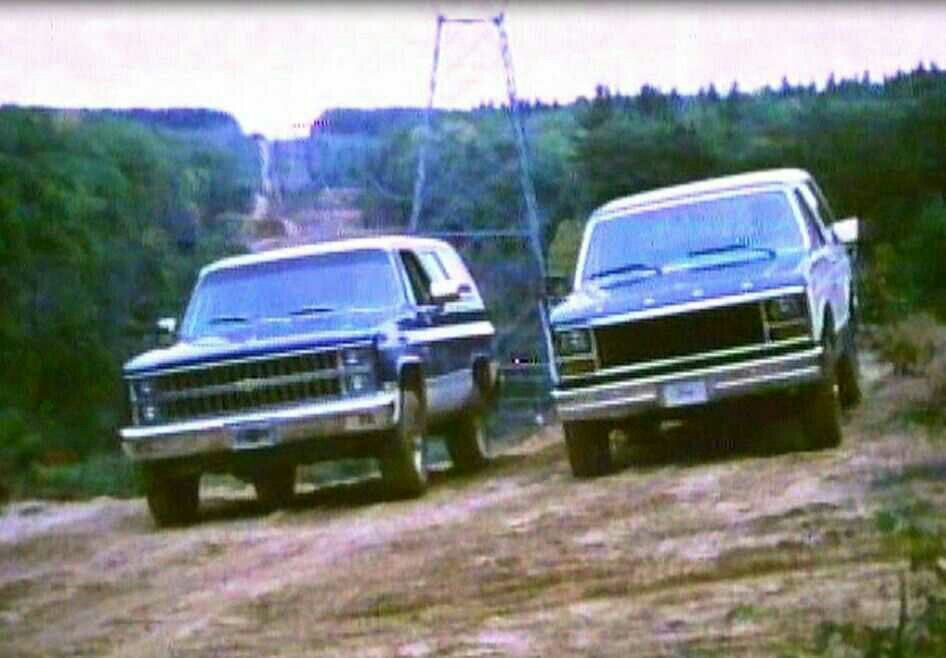 a comparison between the ford bronco ii and the chevy blazer s 10
