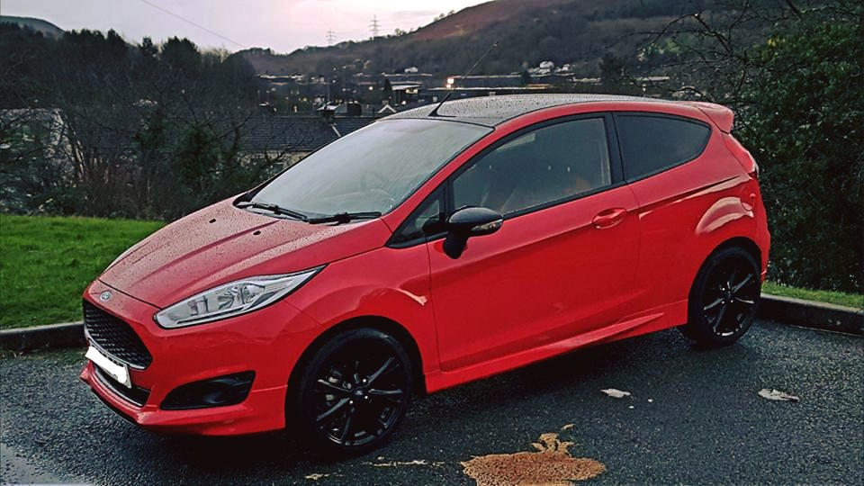 2015 ford fiesta zetec s red edition. Black Bedroom Furniture Sets. Home Design Ideas