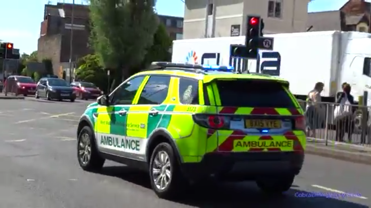 a8c4d7e550 Land Rover - Was watching emergency vehicle videos on YouTube and I guess  the London Met