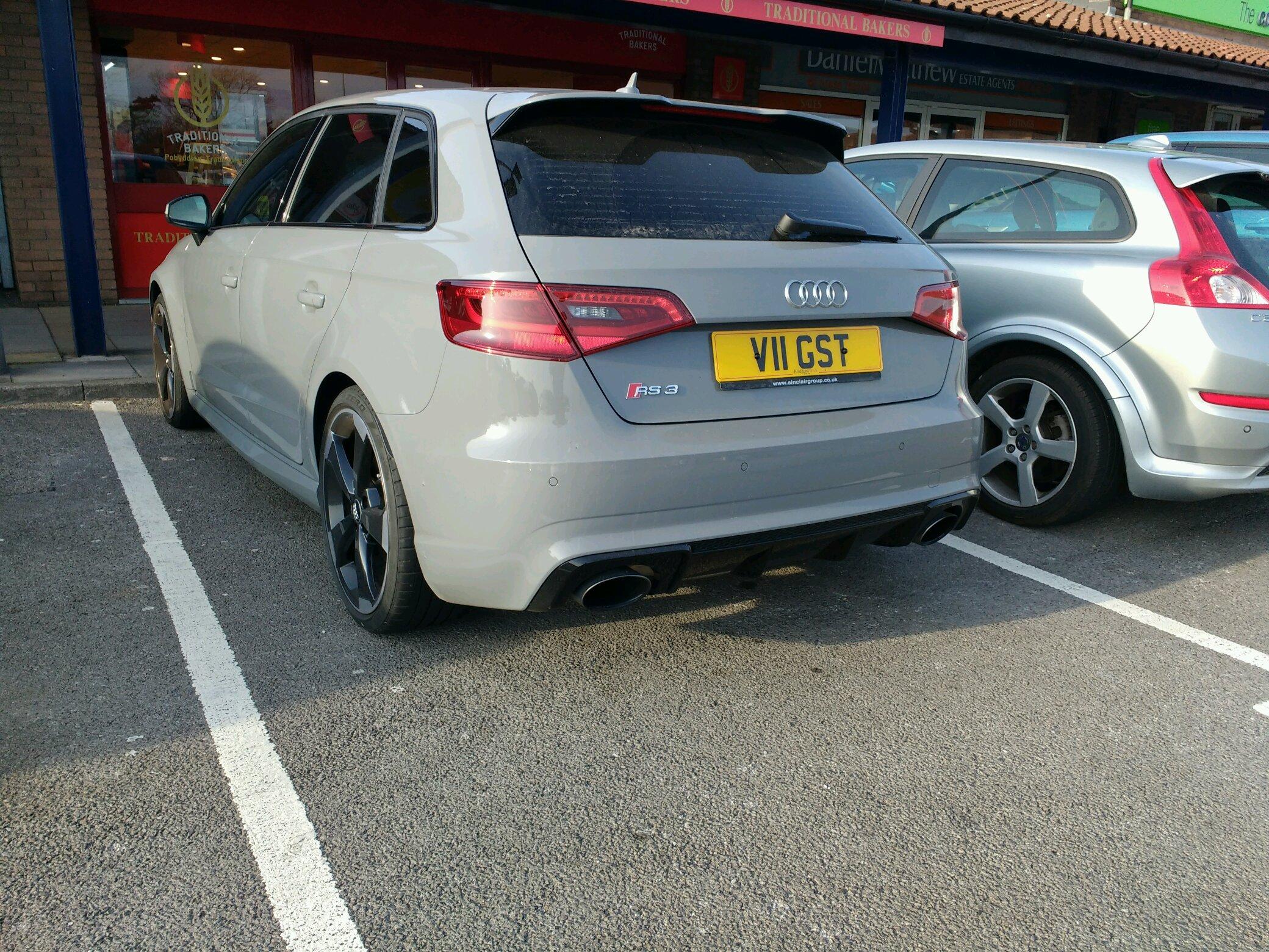 Audi RS3, mmm...