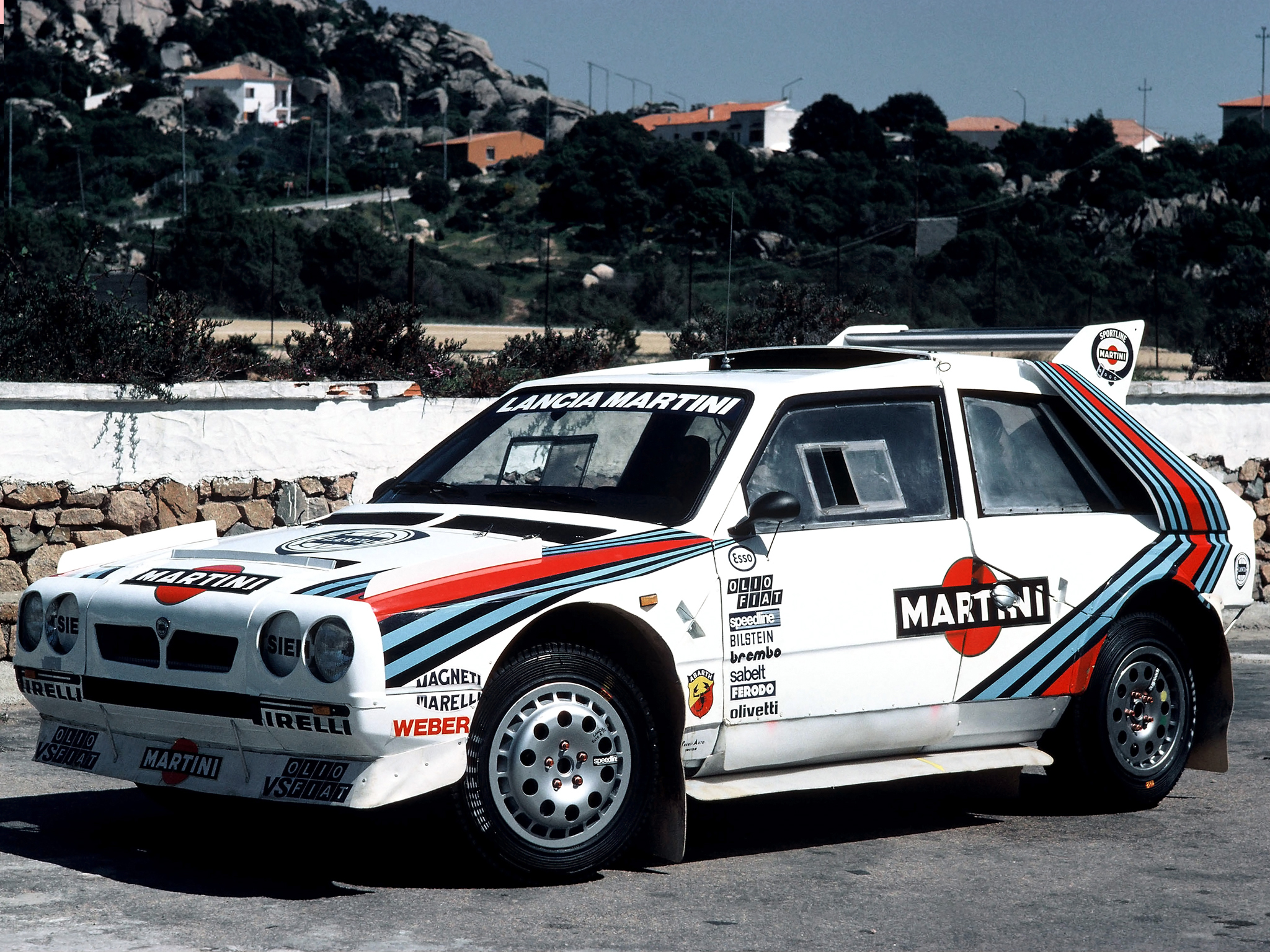 lancia delta s4 said to do 0 60 in on gravel follow my channel for more. Black Bedroom Furniture Sets. Home Design Ideas