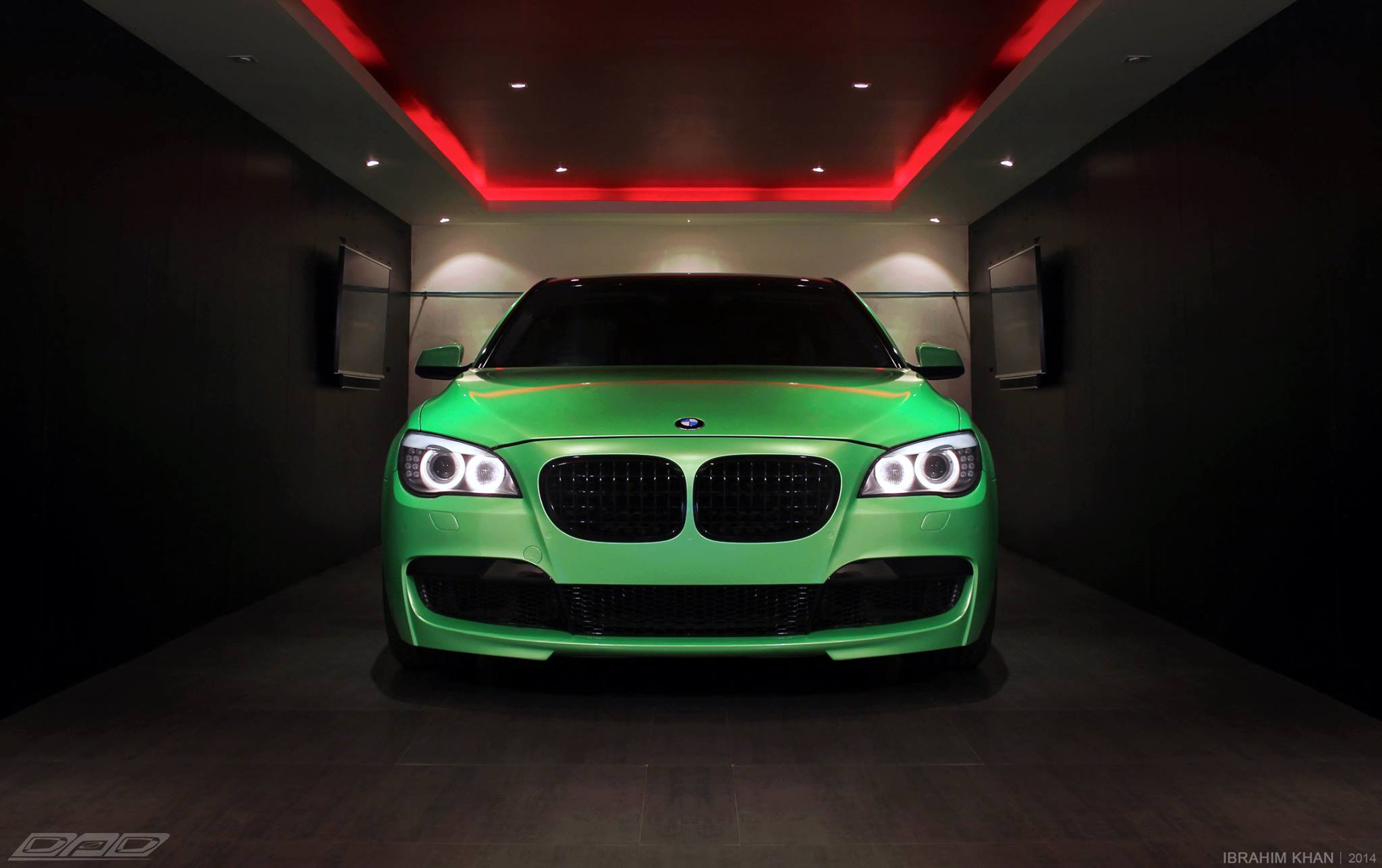 Bmw 7 Series Wrapped In Pearlescent Green