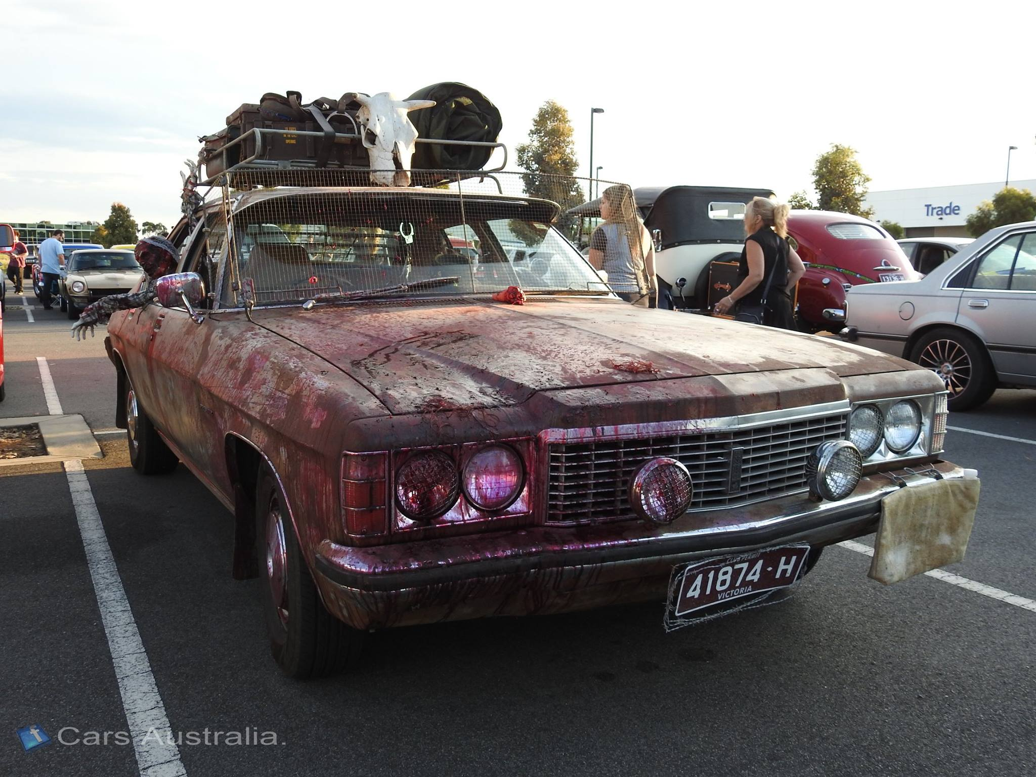 Check Out This Cool Zombieapocalypsethemed Holden Premier - Cool zombie cars