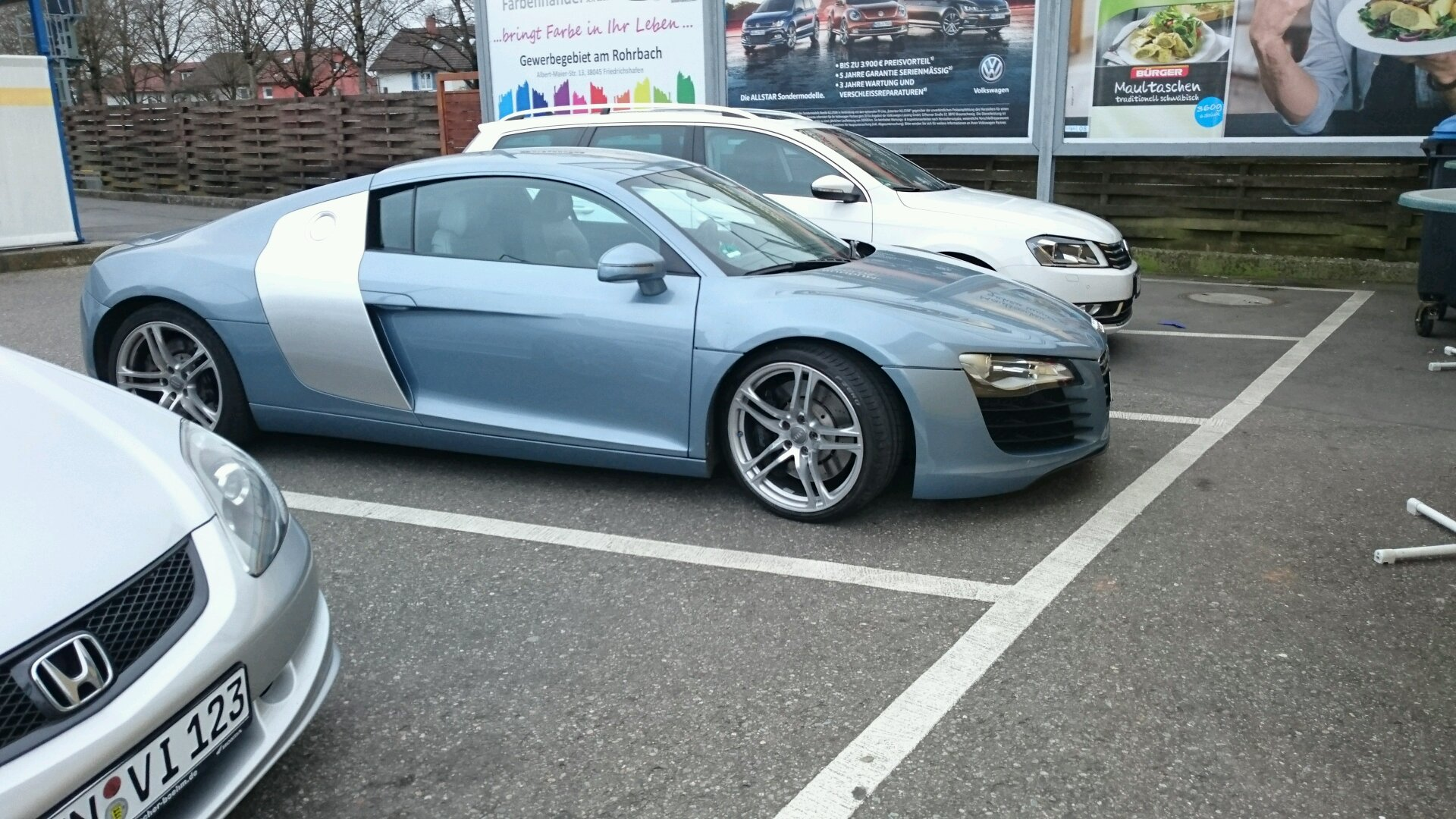 Spotted this Audi R8 today. (By the way ugly color in my opinion)