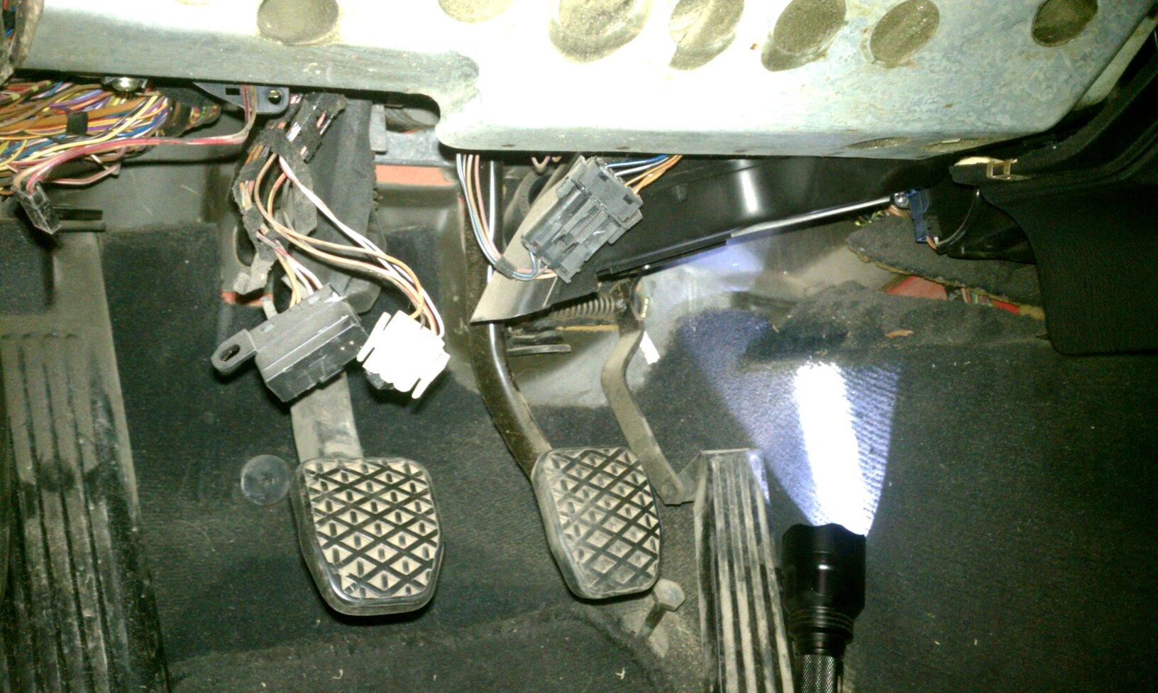 Blower Motor Bmw Wiring from static.carthrottle.com
