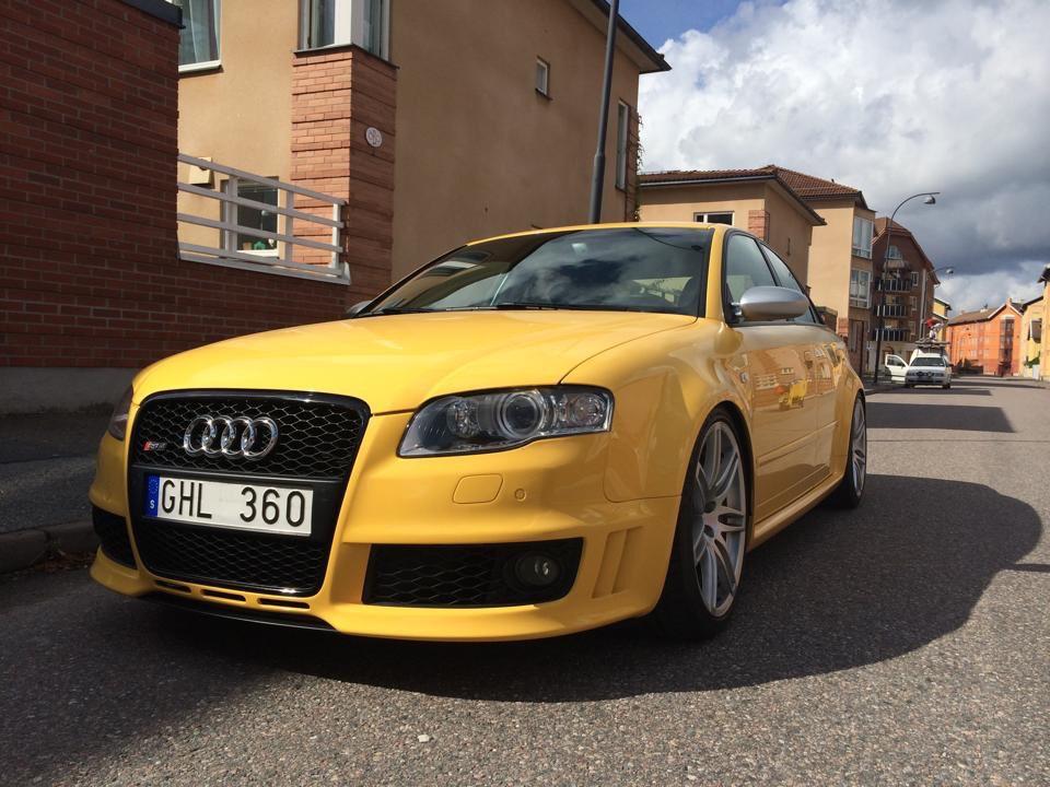 My old Audi RS4 B7 2008. Imola Yellow.