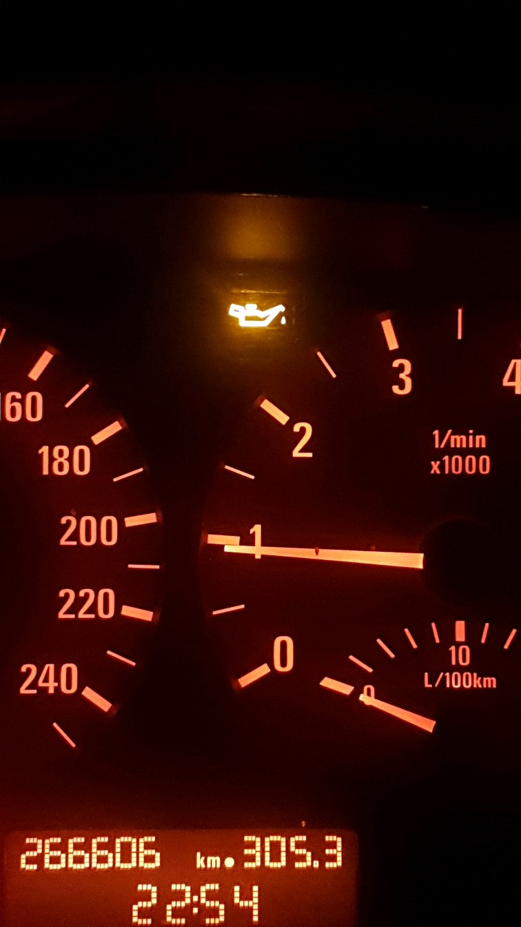 Why Does This Orange Oil Pressure Light Keep Going Off After An Hour