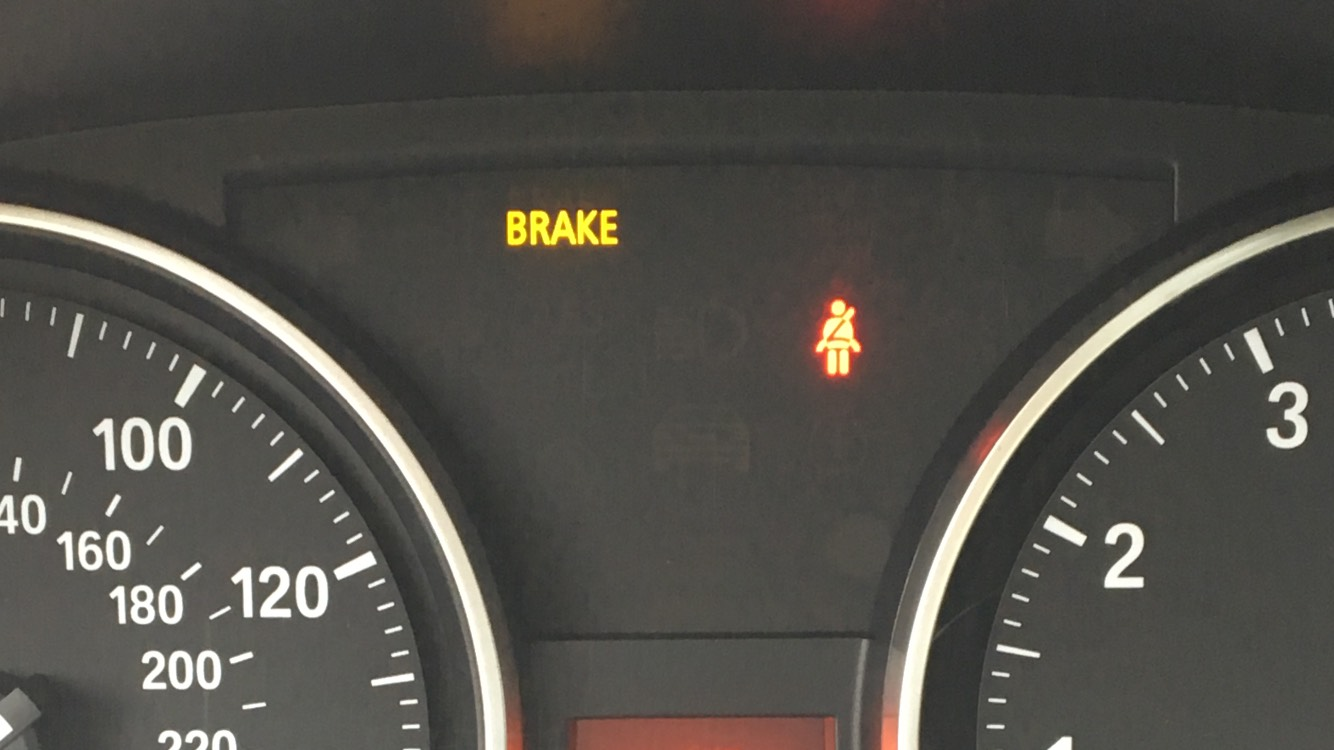 Does Anyone Know What This Yellow Brake Light Means I Couldn T Find It In The Owners Manual